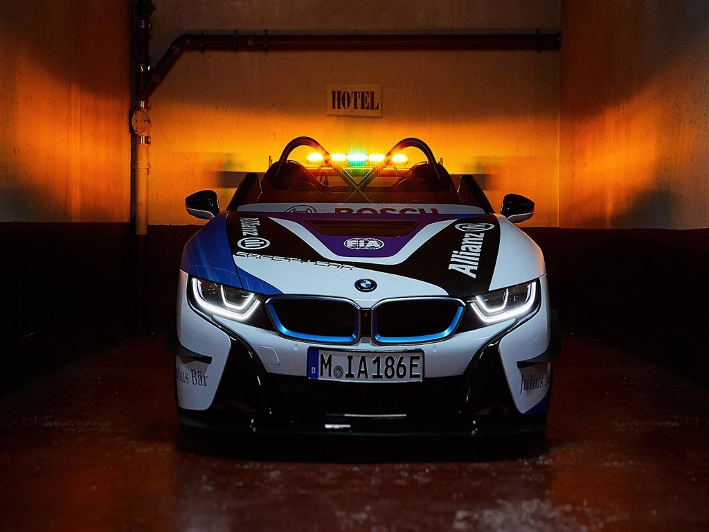 1024x768 4K Wallpaper of BMW I8 Roadster Formula E Safety Car