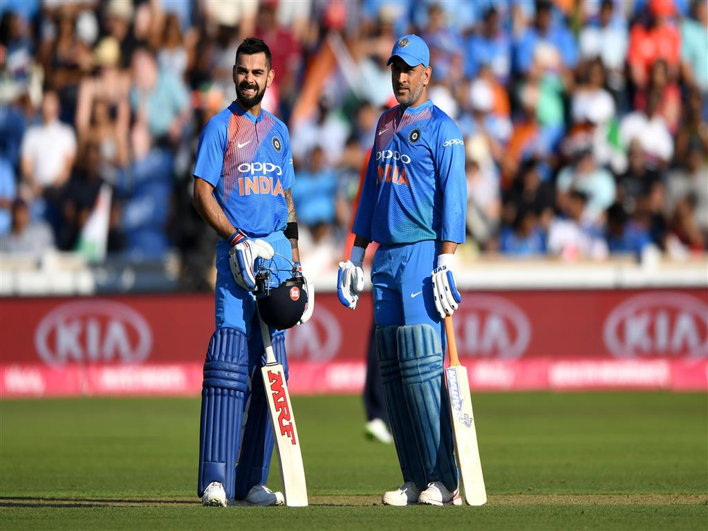 1024x768 Virat Kohli and MS Dhoni in Cricket Worldcup 2019 4K Wallpaper
