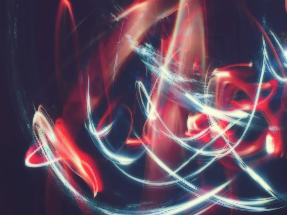 1152x864 Red and White Light Trails Abstract Wallpaper