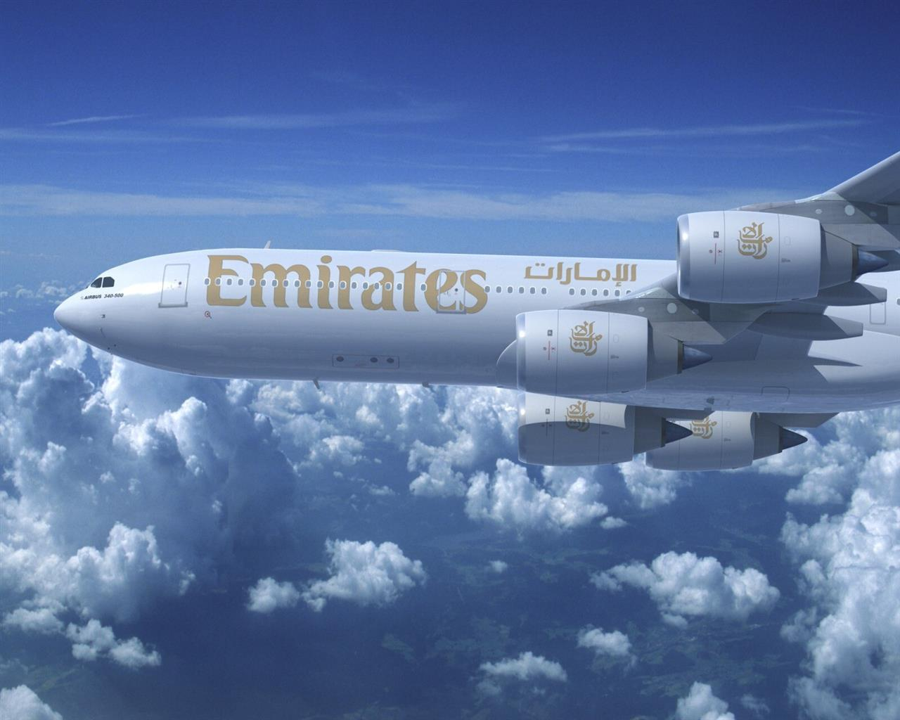 1280x1024 Emirates Airplane