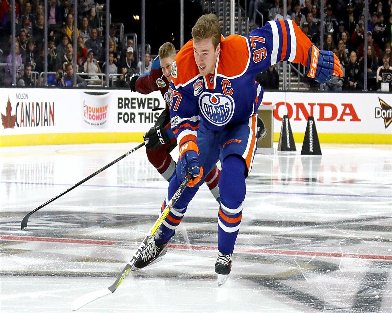 1280x1024 Ice Hockey Player Connor McDavid Wallpaper