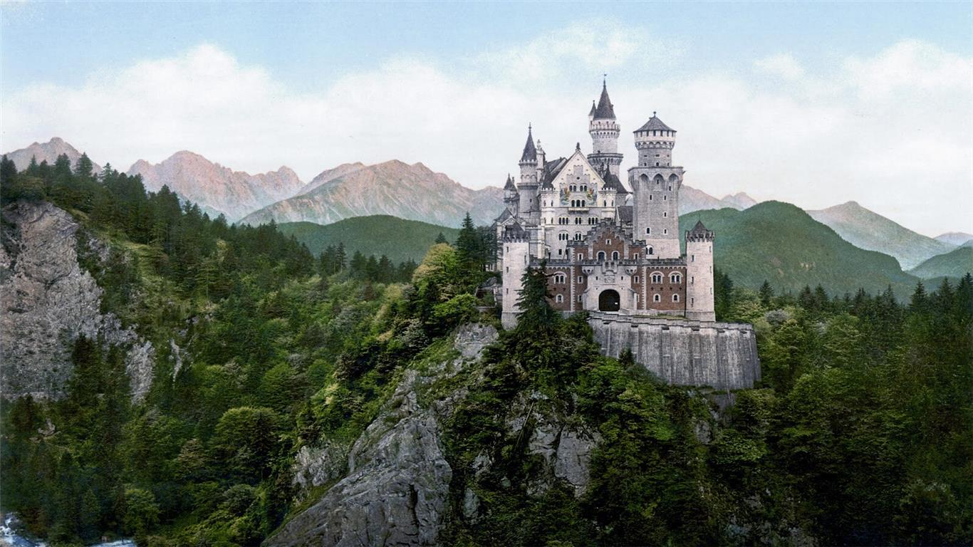 1366x768 Amazing Look of Castle in Germany HD Wallpapers