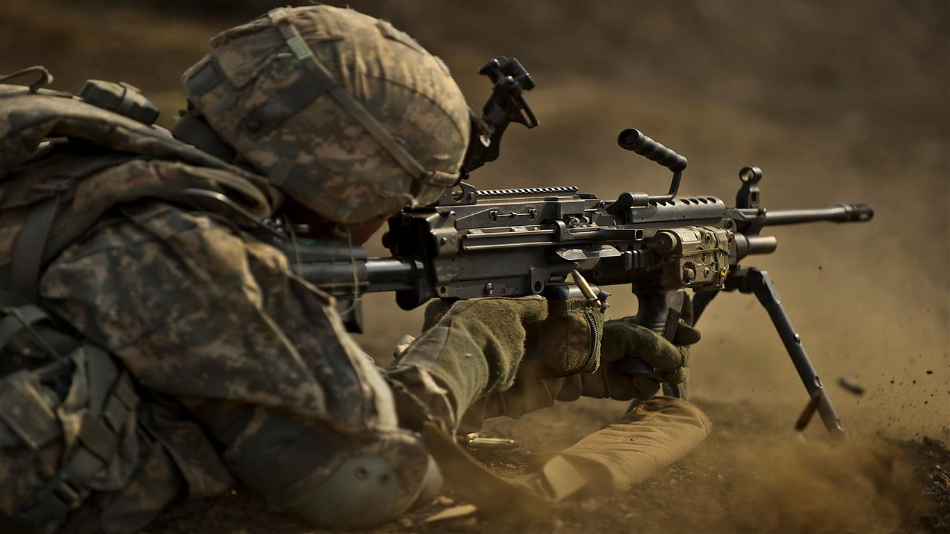 1366x768 Army with Machine Gun Wallpaper