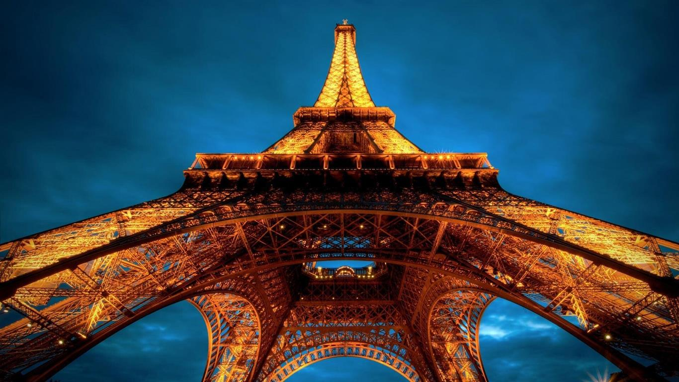 1366x768 Eiffel Tower in Paris France Wonders of The World Wallpaper
