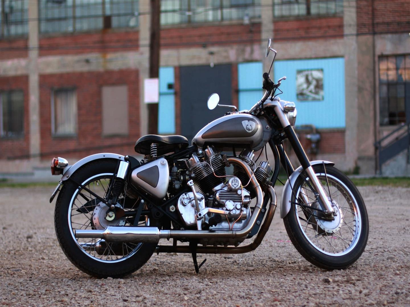 1440x1080 Royal Enfield Bullet Bike Photo