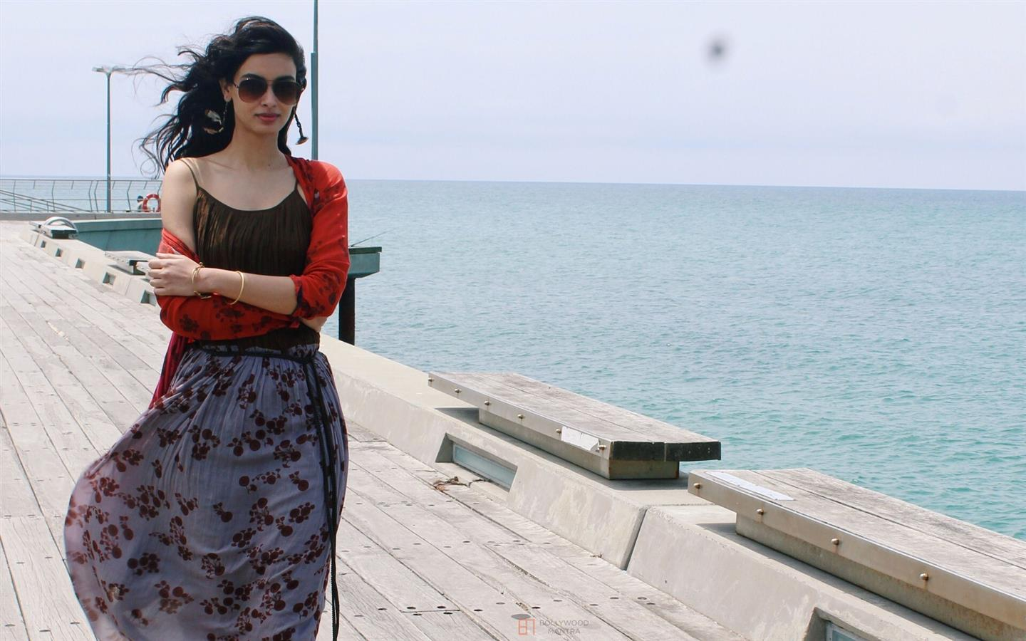 1440x900 Diana Penty in Sunglasses Wallpapers