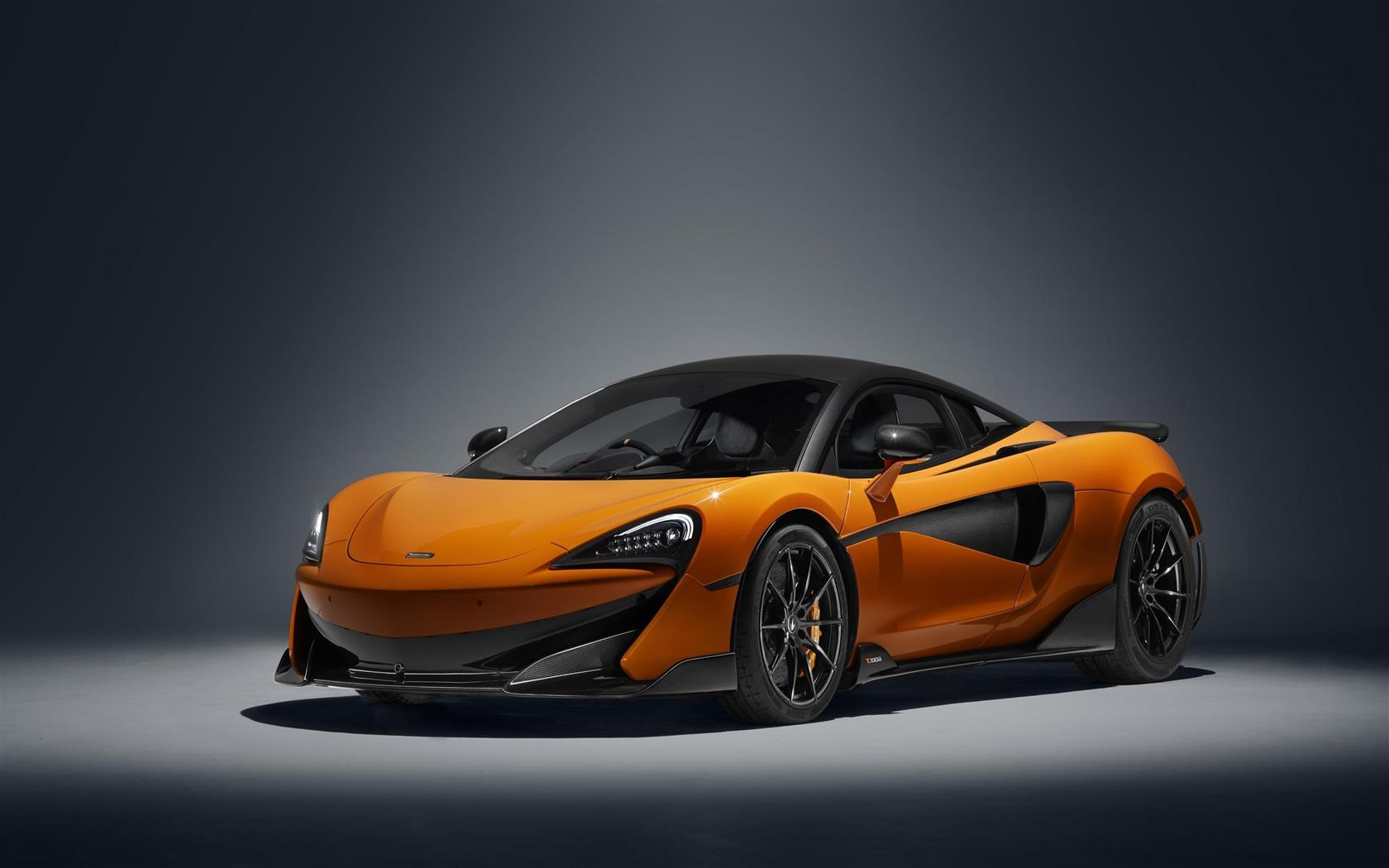 1680x1050 4K Wallpaper of 2019 McLaren 600LT Race Track Car