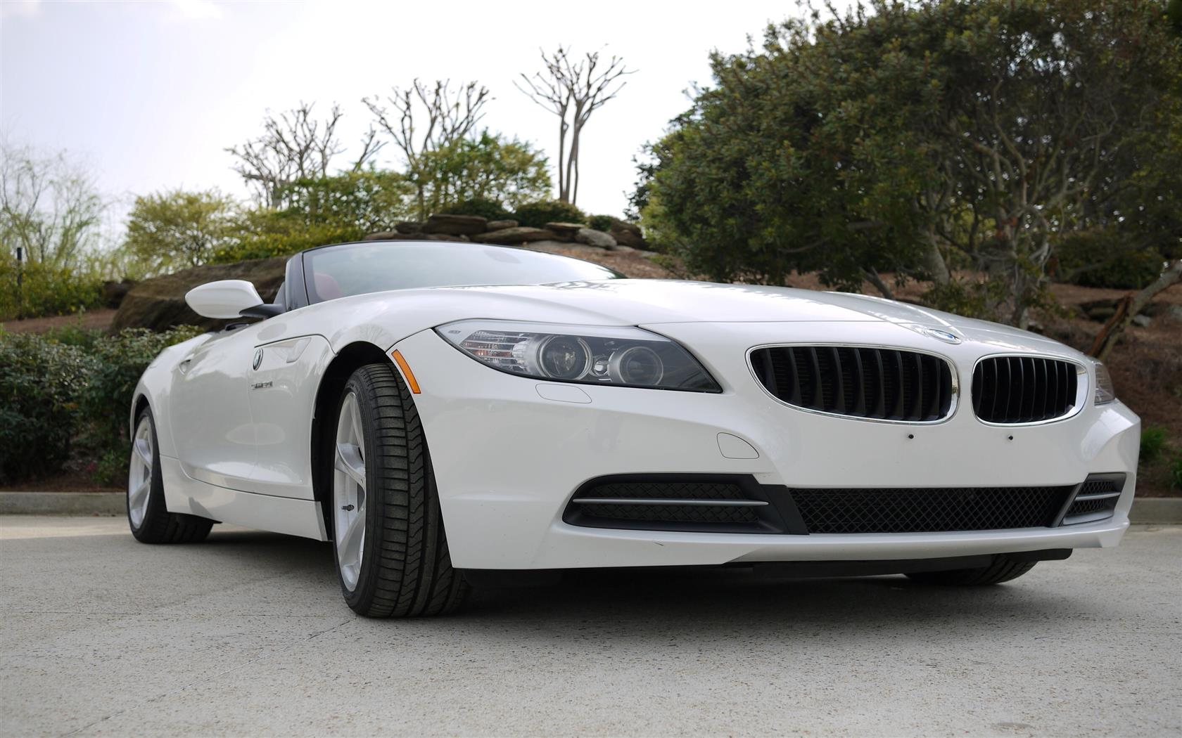 1680x1050 New White E89 BMW Z4 Sporty and Topless Car Wallpapers Download