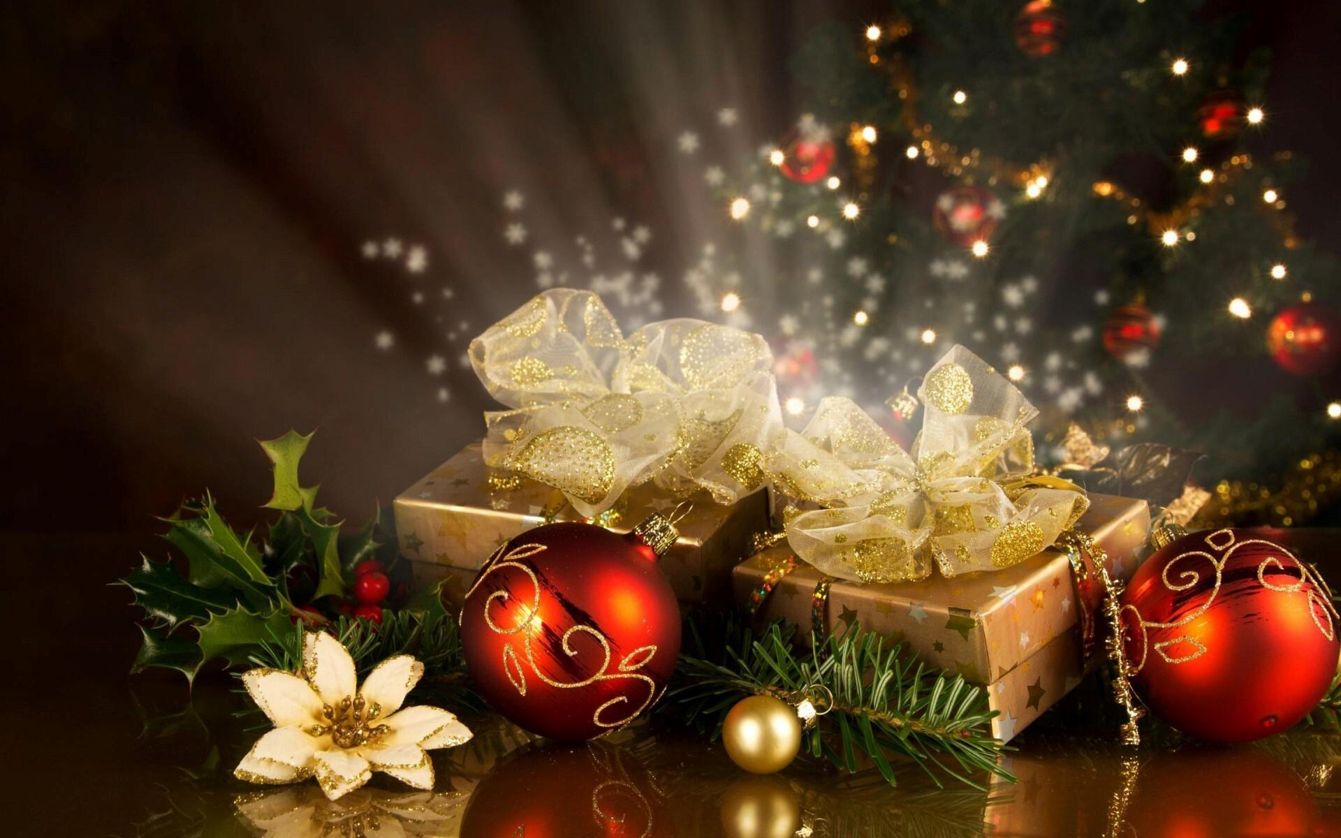 1920x1200 Christmas Gifts and Decoration Balls on 2013 Festival HD Wallpapers