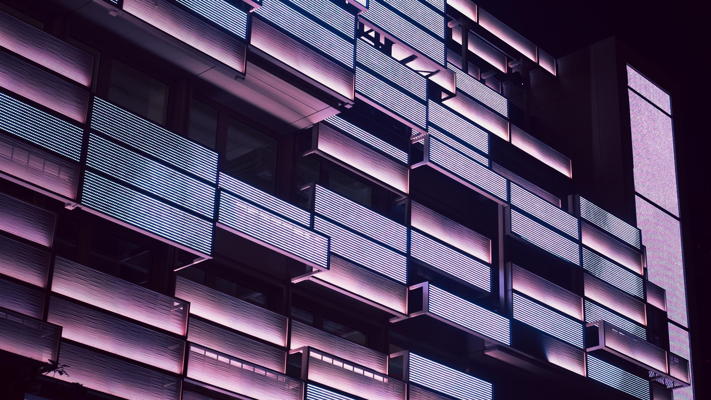2400x1350 Building Balcony Abstract 4K Wallpaper