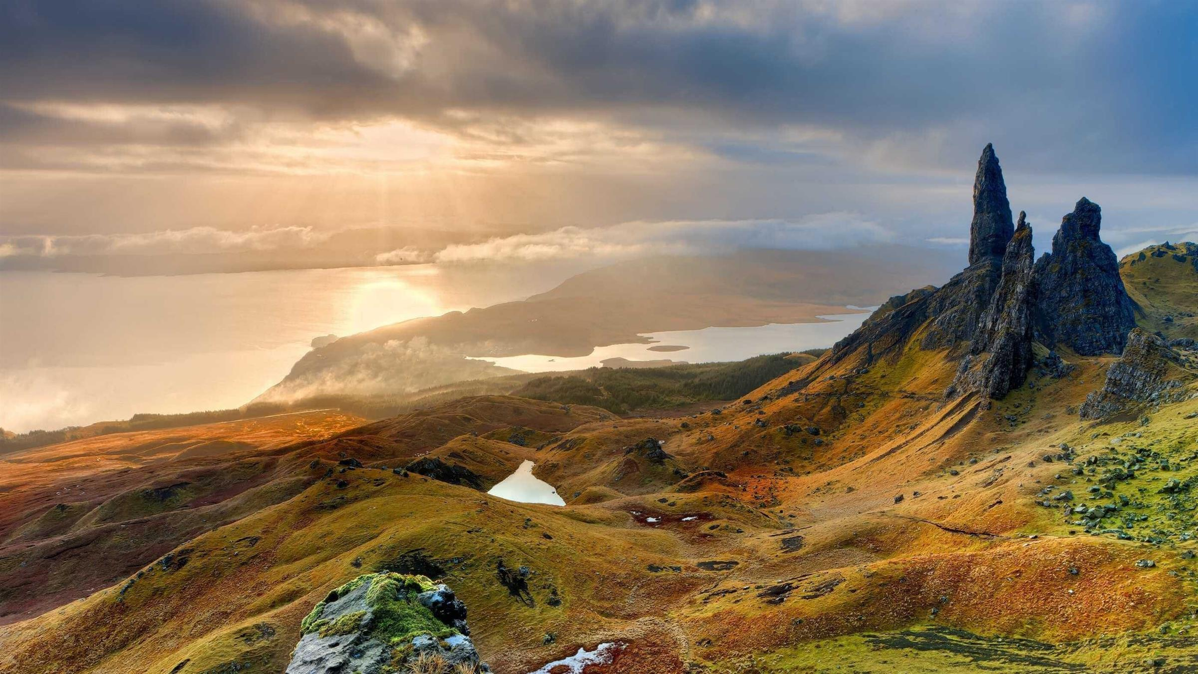 2400x1350 Scottish Highlands Graceful Mountain in the United Kingdom HD Wallpapers