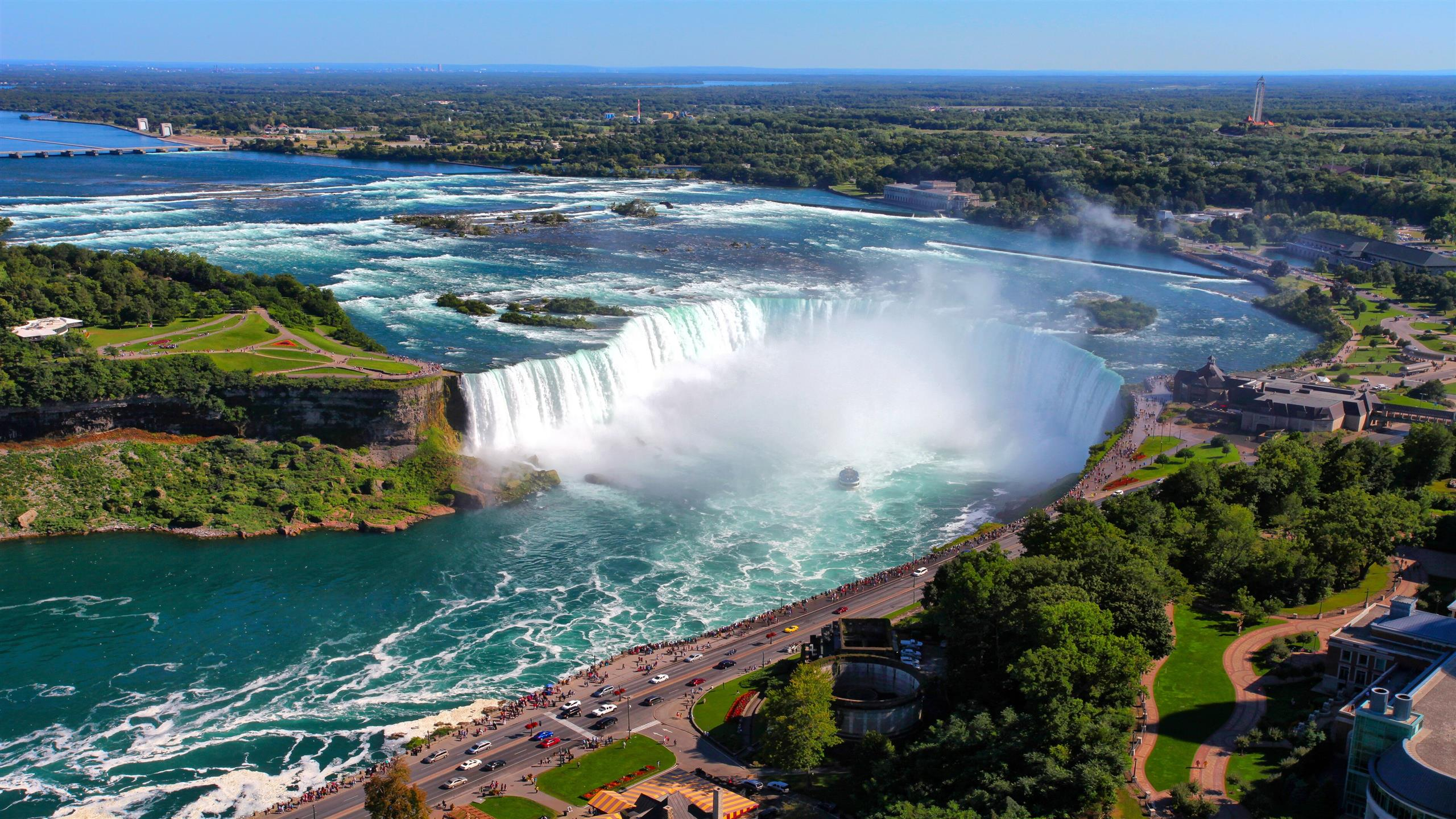 2560x1440 Niagara Falls in Ontario Canada Travel Wallpaper