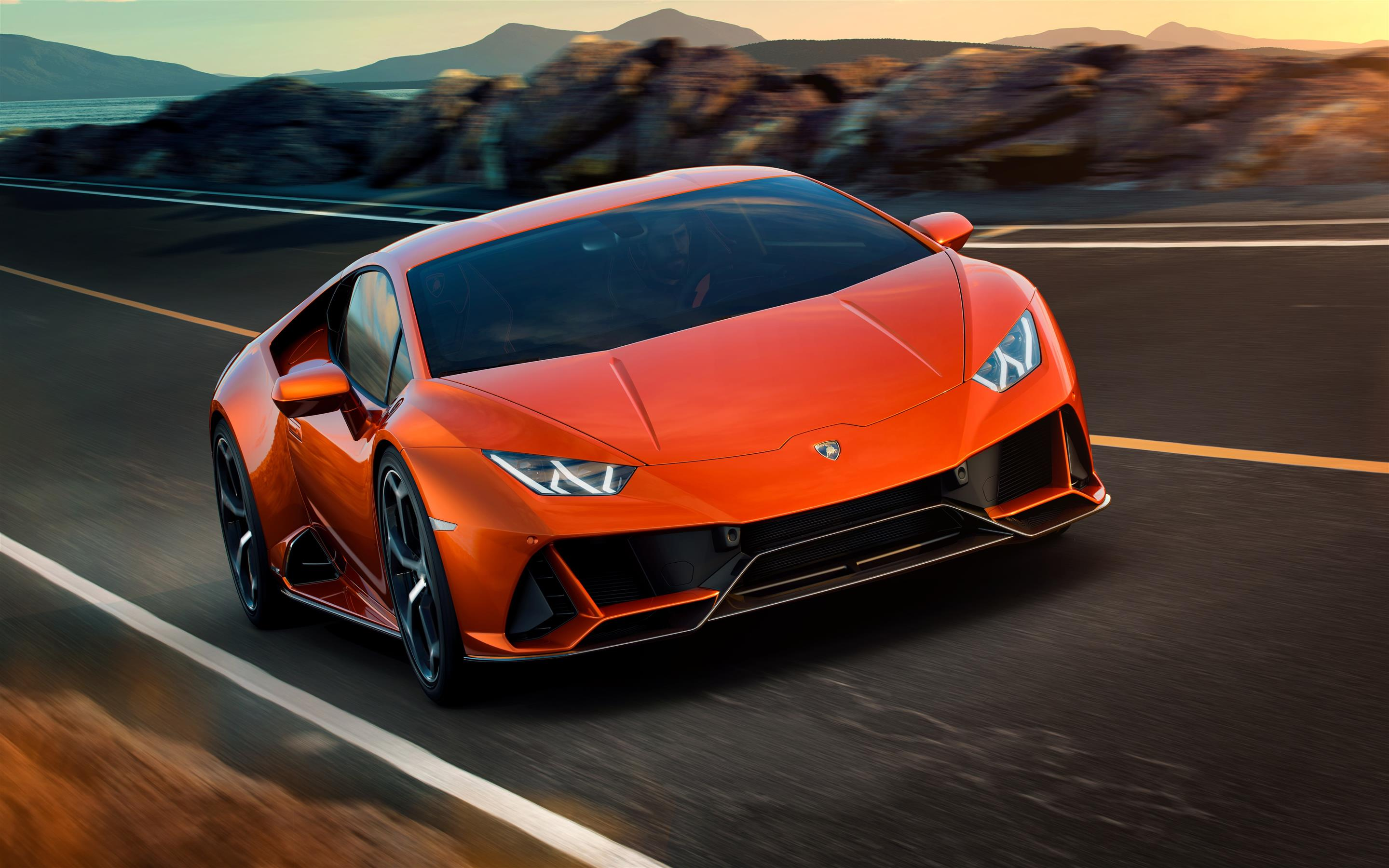 2880x1800 2019 Lamborghini Huracan EVO 8K Car Wallpaper