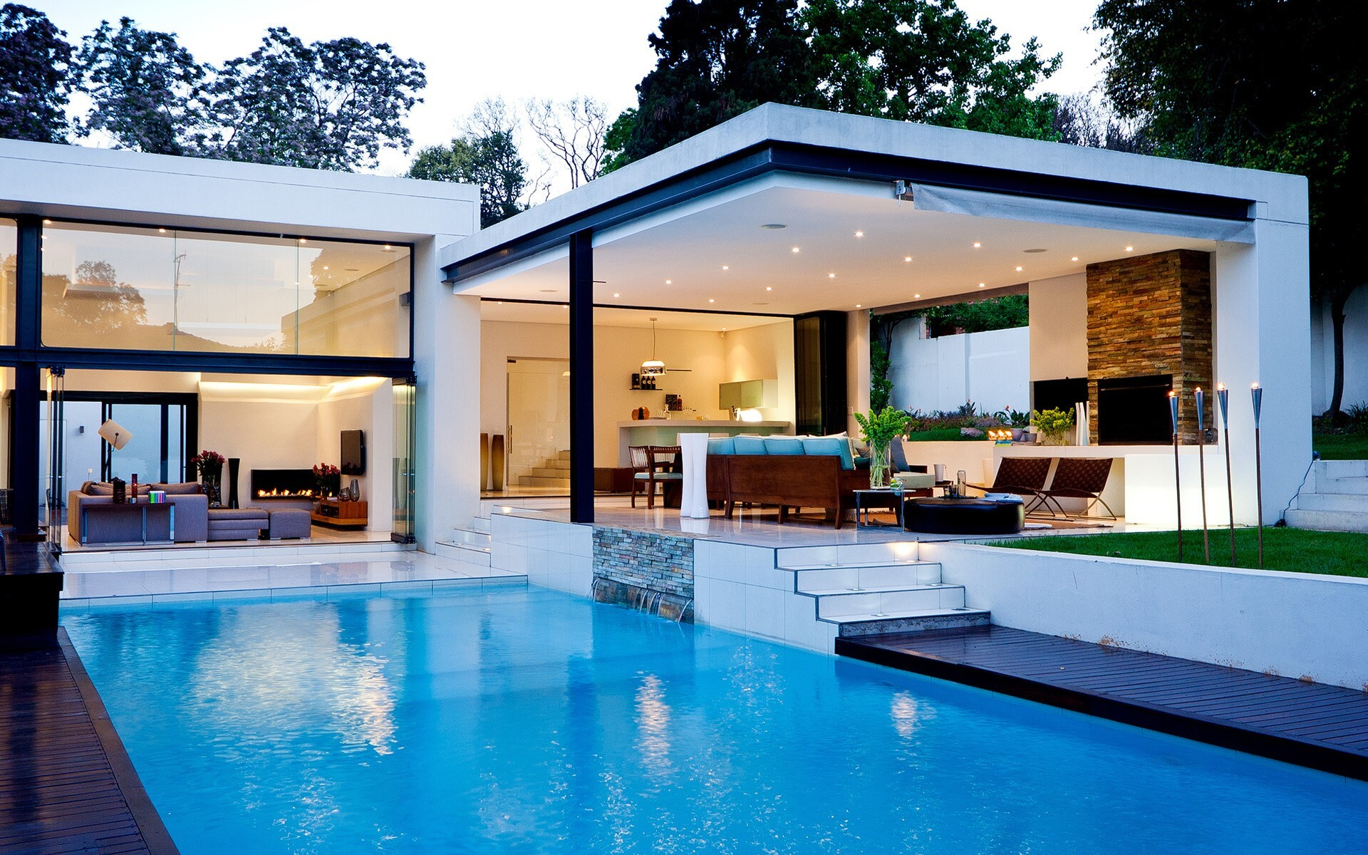 Beautiful Luxury House With Swiming Pool Wallpapers For Desktop Hd