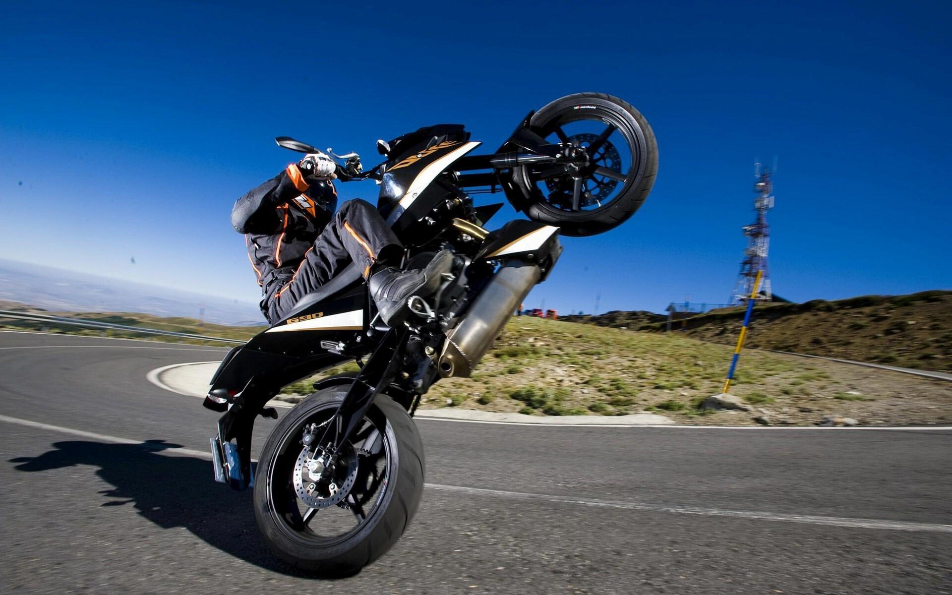 Ktm Duke Bike Stunt On Road Hd Wallpapers