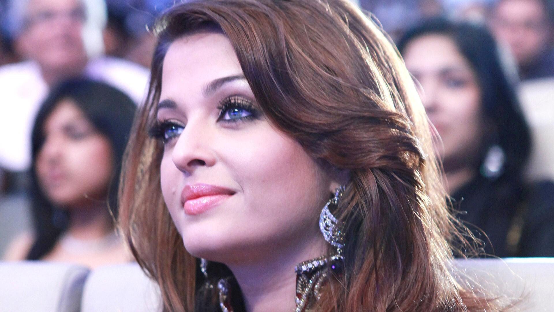 Aishwarya Rai Bachchan Hd Wallpapers: Beautiful Aishwarya Rai Bachchan Indian Actress HD