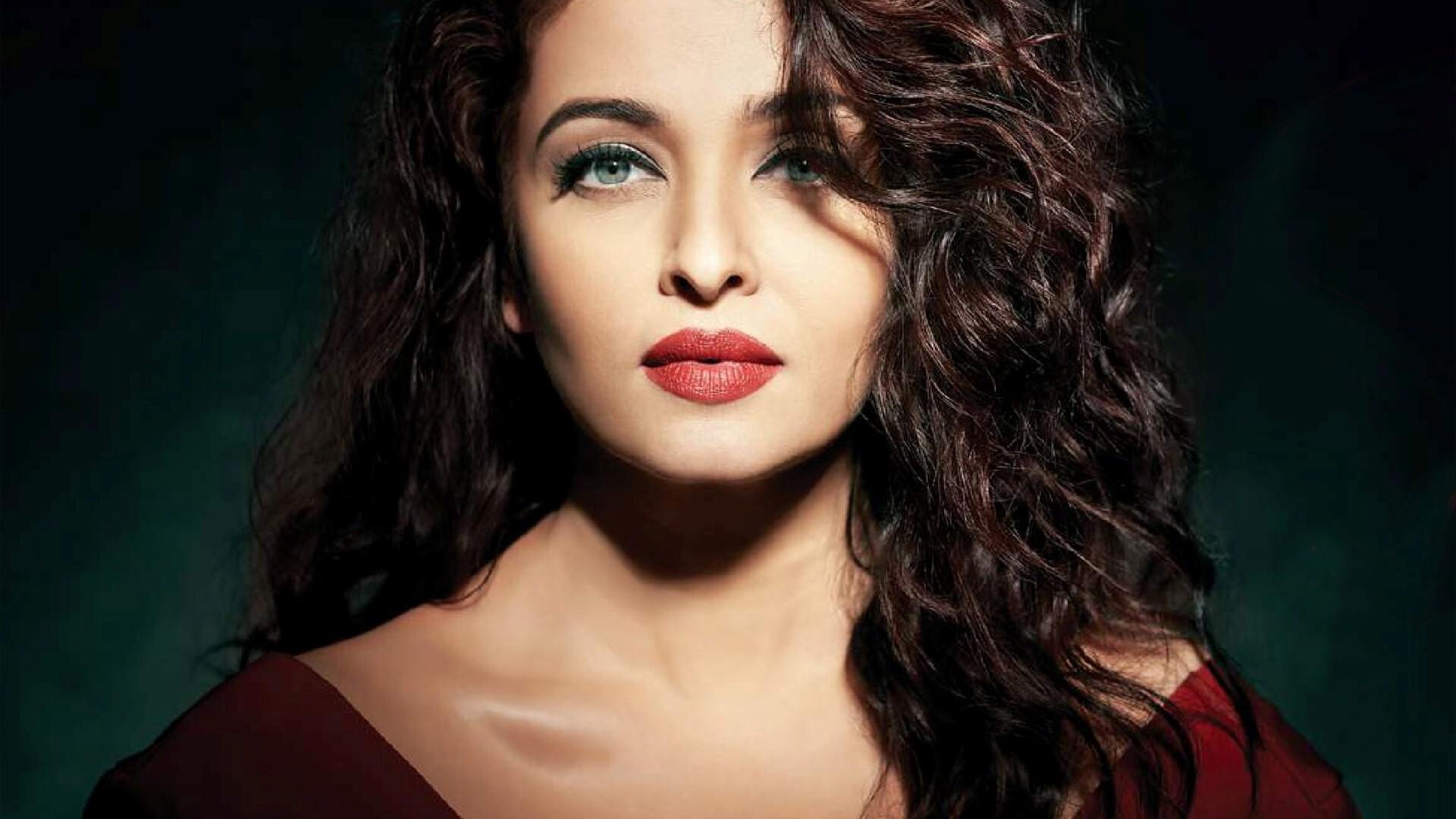Hindi Film Heroine Aishwarya Rai Desktop Background | HD ...