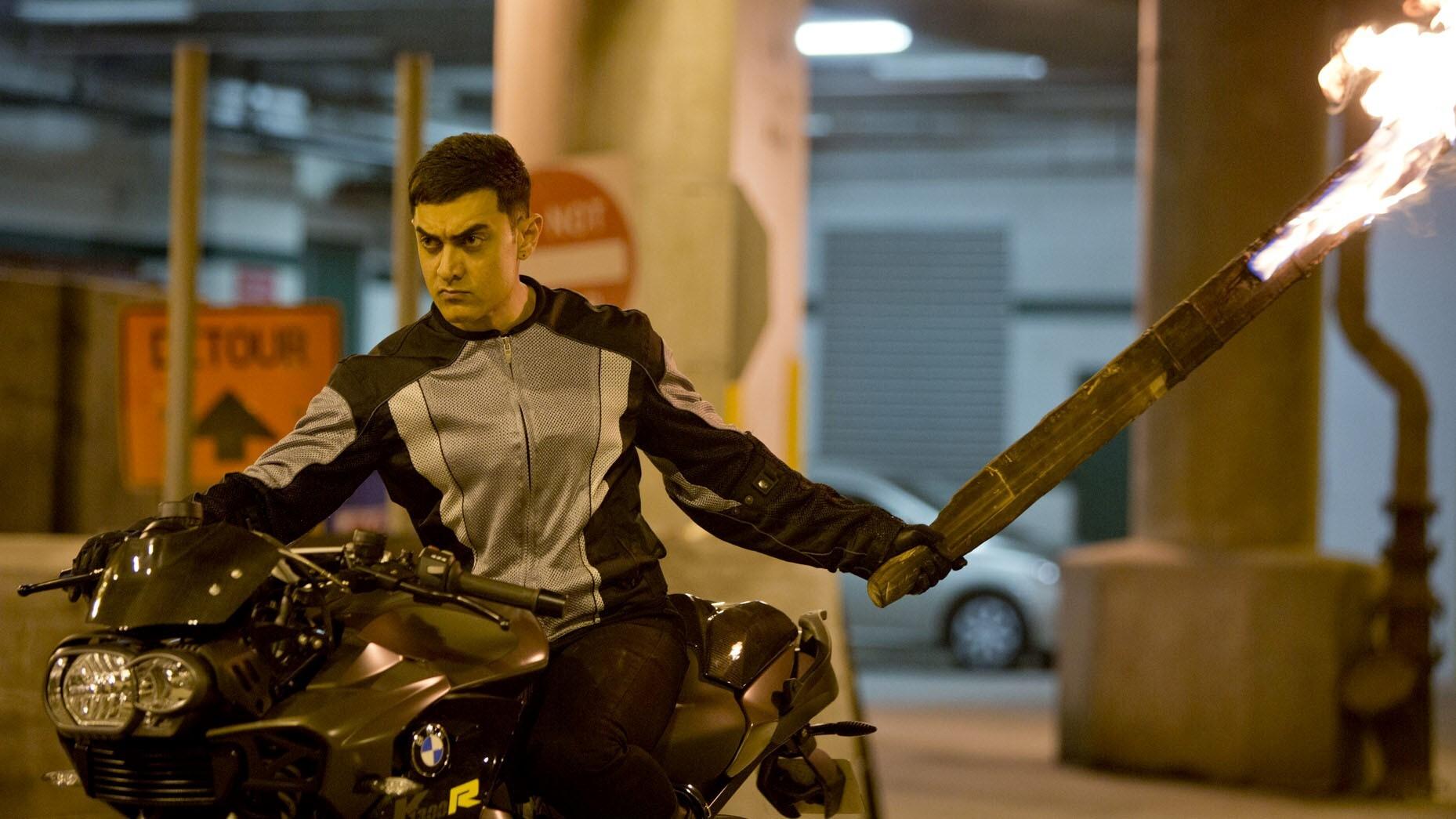 Aamir Khan On Bike In Dhoom 3 Bollywood Movie Hd Wallpaper Hd
