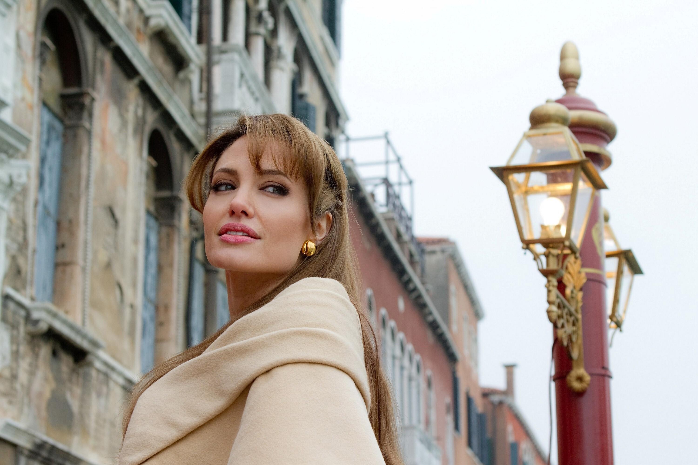 beautiful hd wallpapers of angelina jolie actress | hd wallpapers