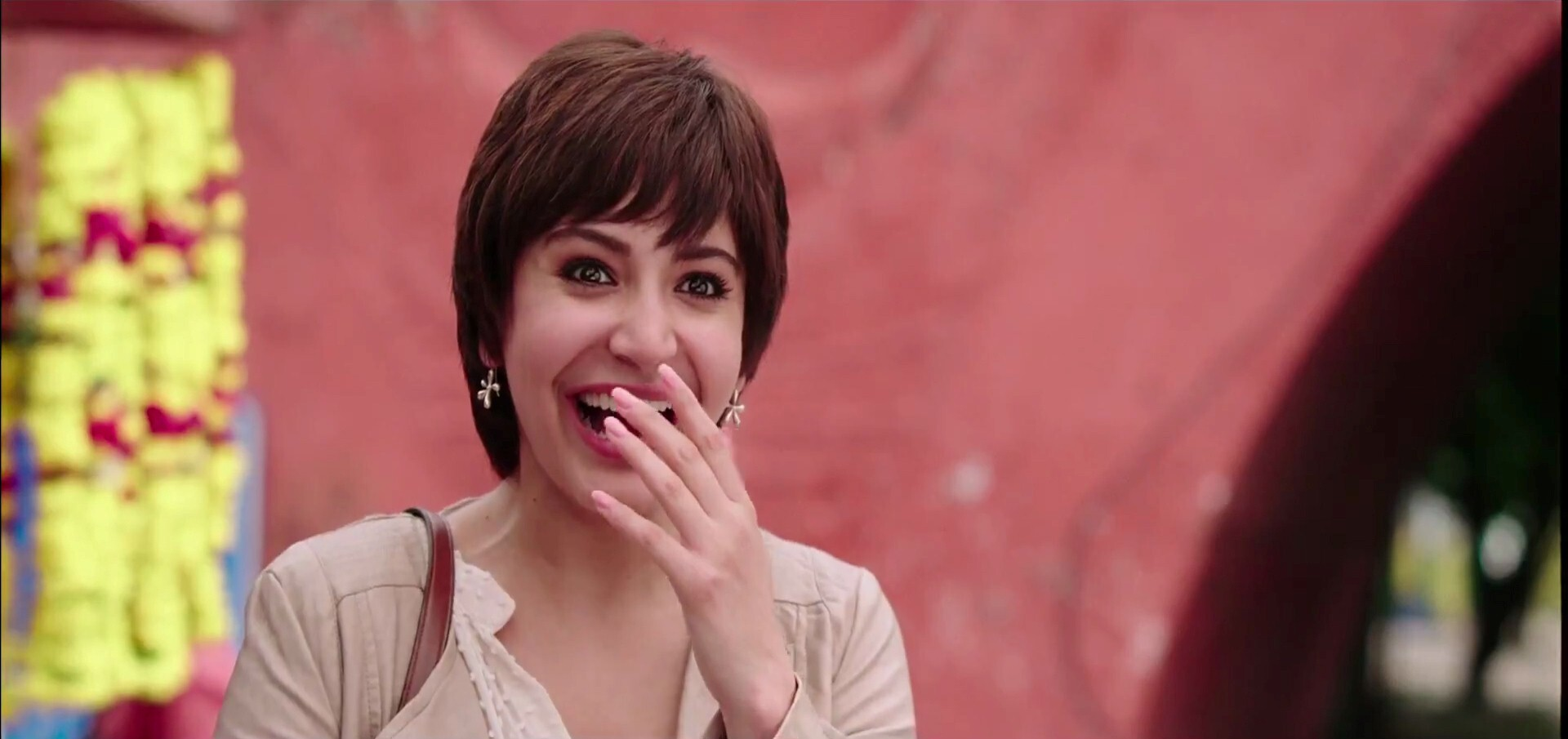 Anushka Sharma With New Hair Style In Upcoming Bollywood Movie Pk Hd