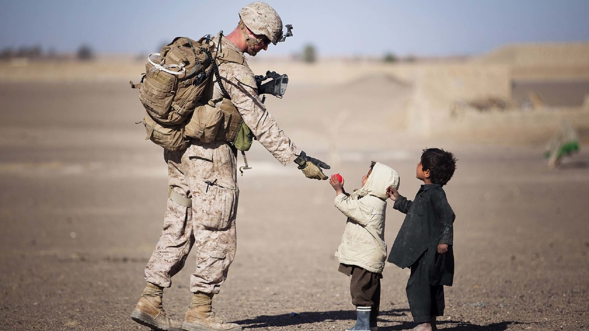 Army Soldier Love To Child Hd Wallpapers