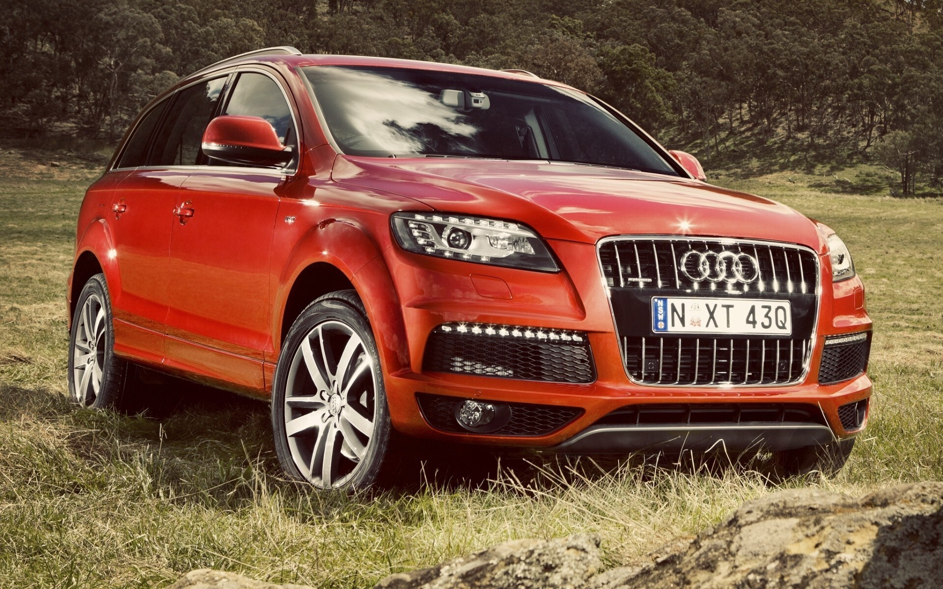 Audi Q7 E Tron Car Wallpapers Hd Wallpapers