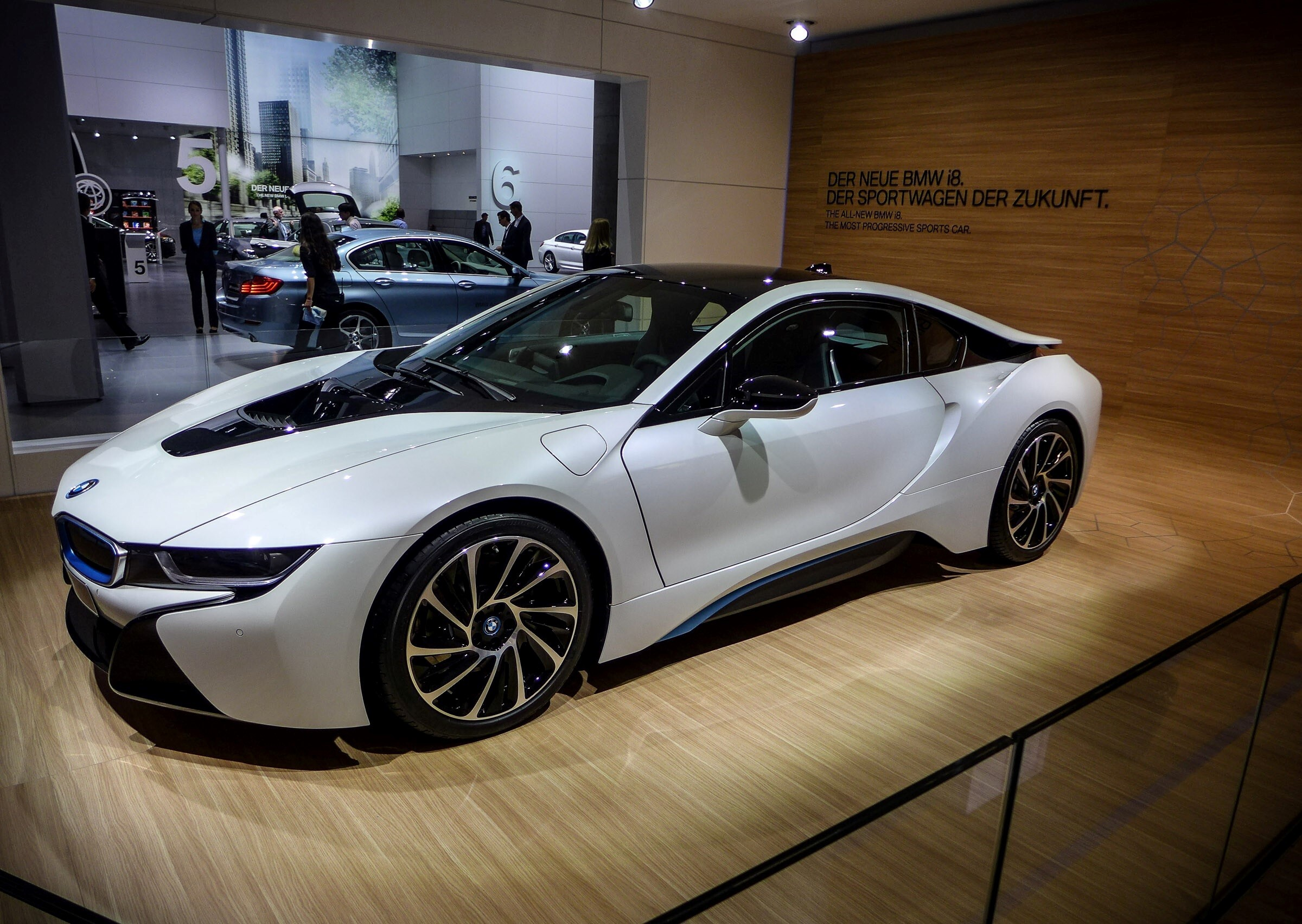 2570 Download 3069 Views Super New 2013 Crystal White BMW I8 Luxury Two  Seater Cars Wallpapers