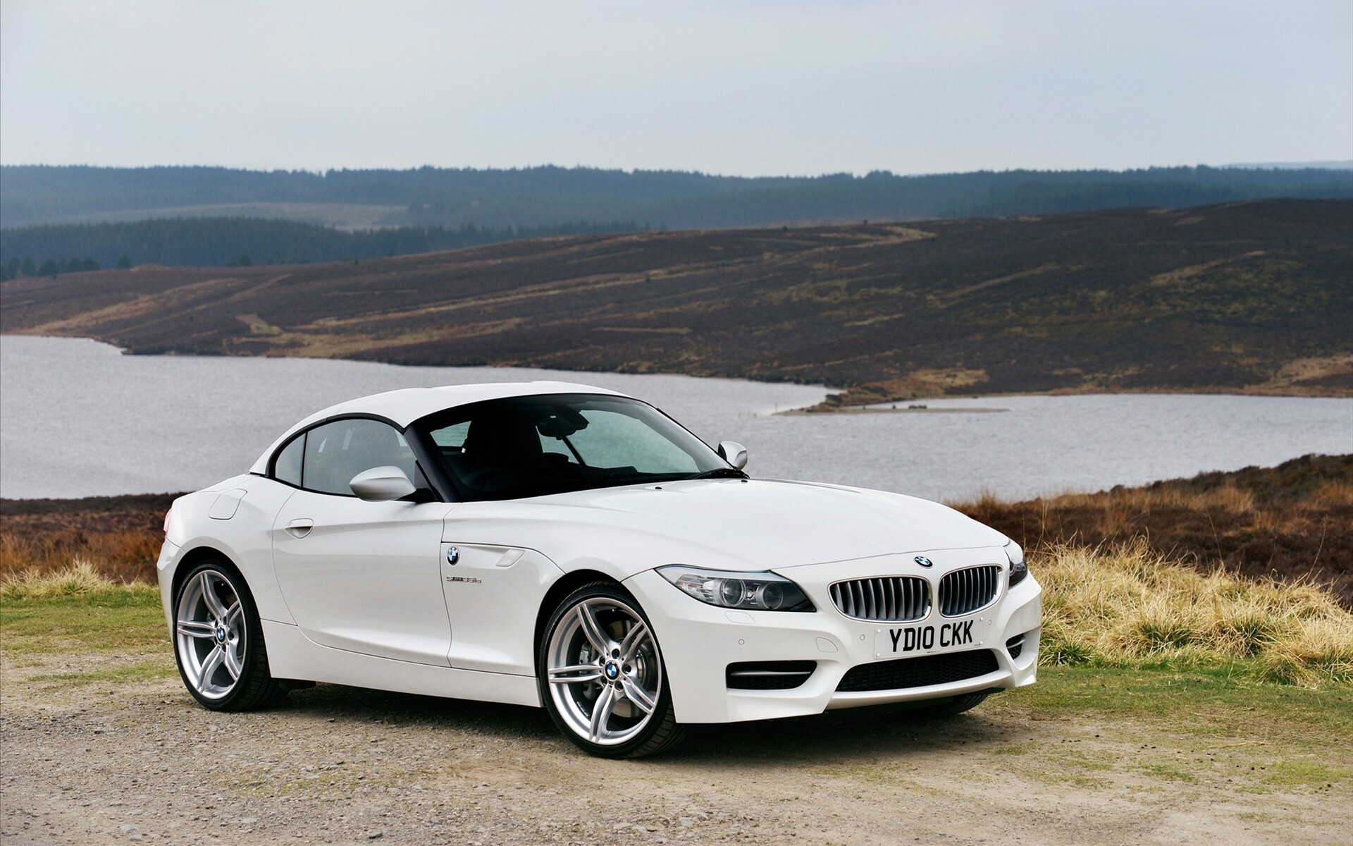 White Bmw Z4 In 2011 Car Hd Wallpapers