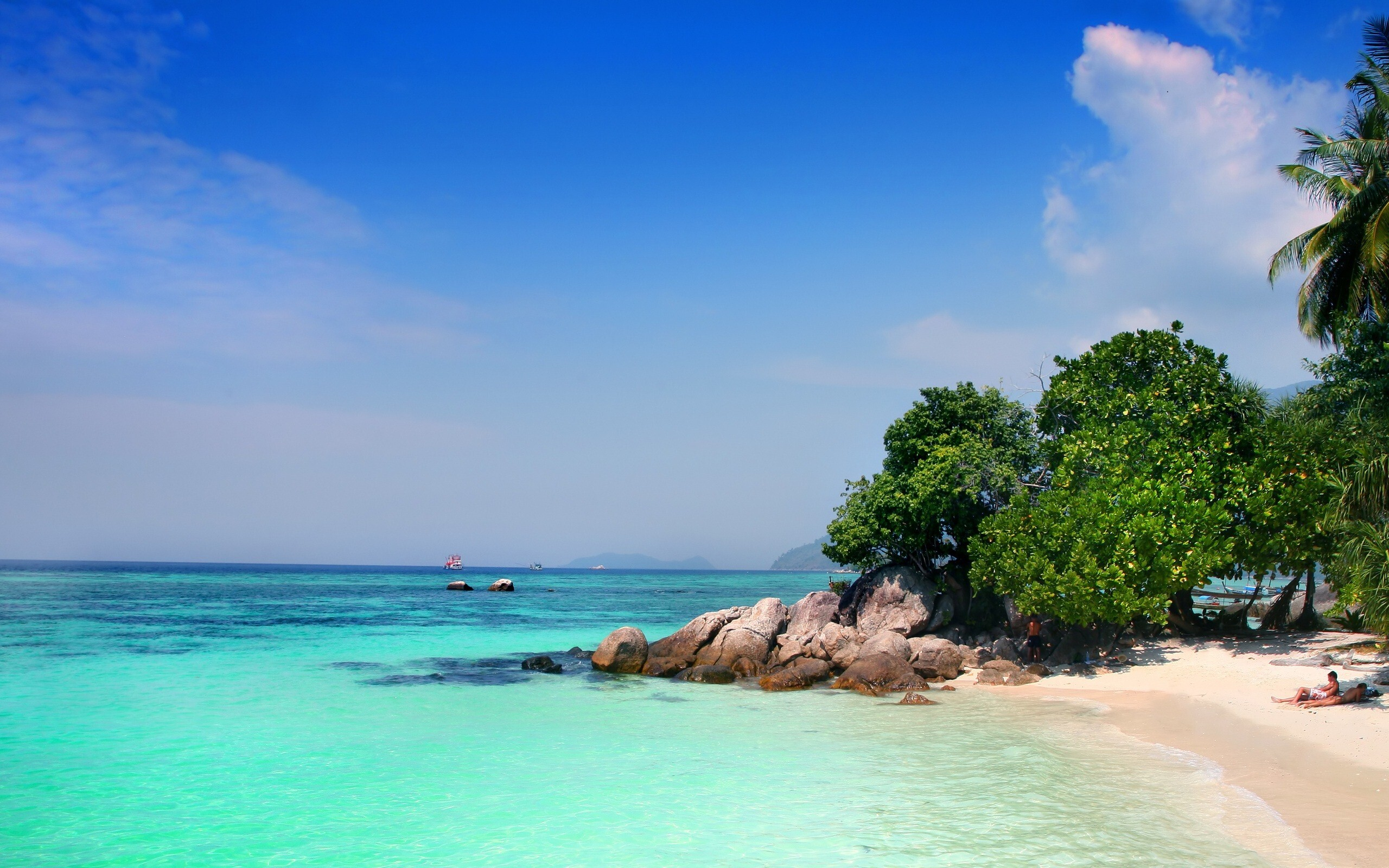 Bungalow Home Designs Beautiful Ko Lipe Island Beach In Thailand Hd Wallpapers