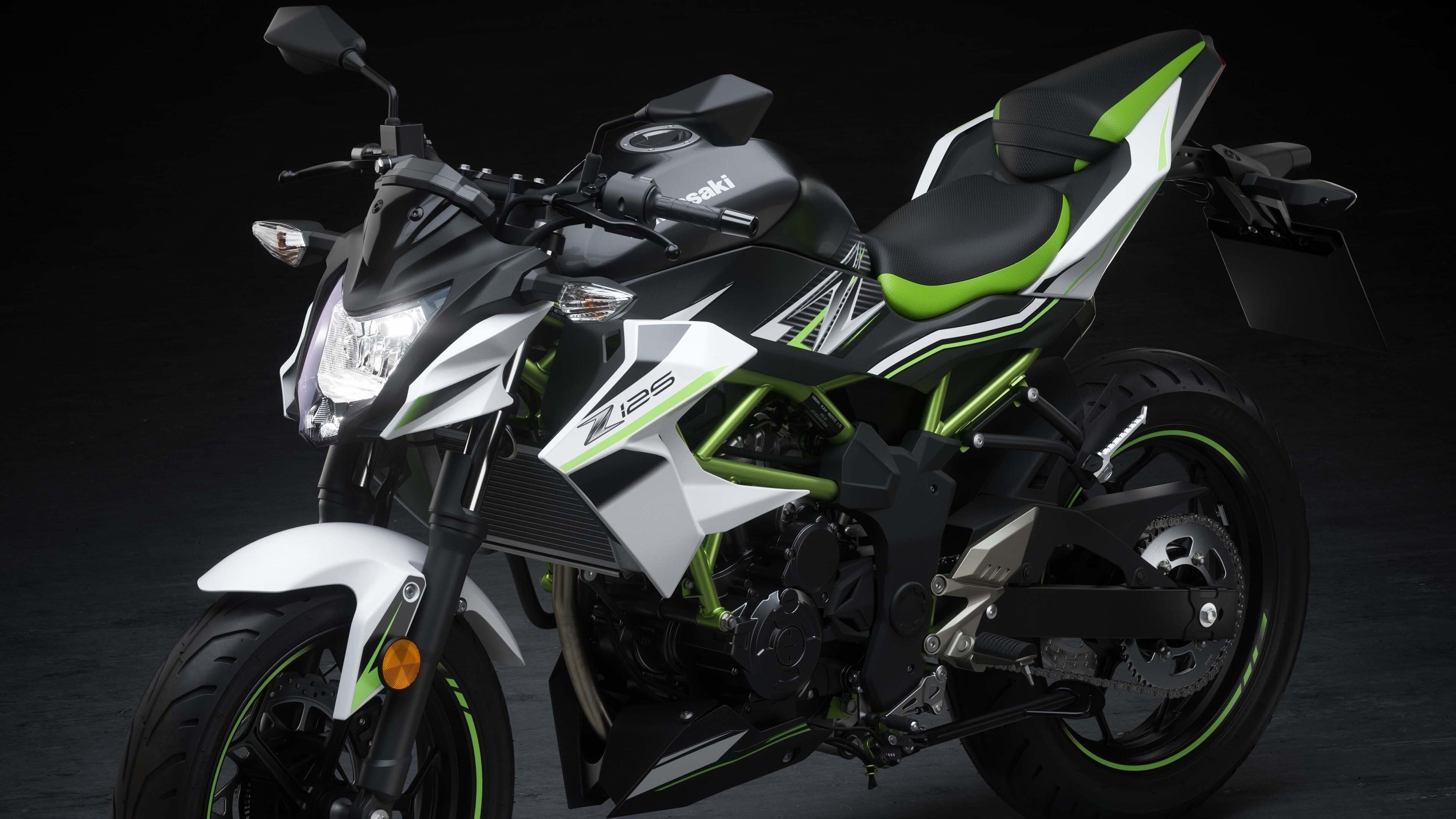 2019 Kawasaki Z125 4K Bike Wallpaper