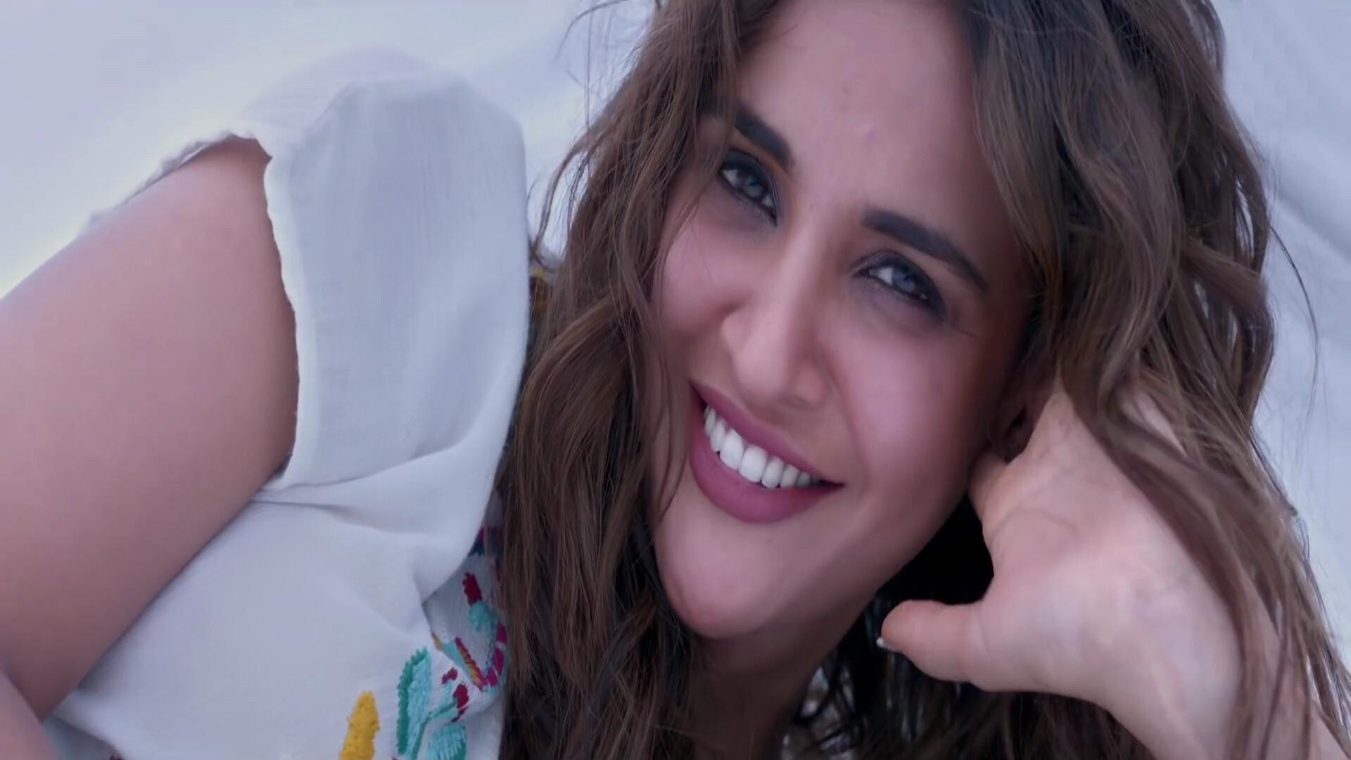 Aisha Sharma In Satyamev Jayate Bollywood Movie Wallpaper Hd