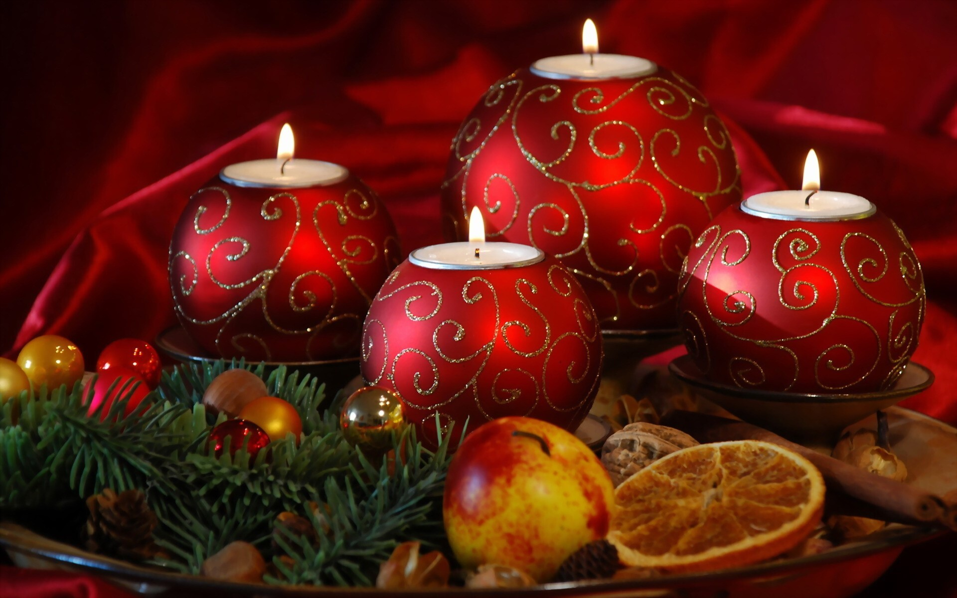 Red Christmas Ball Lamps Wallpaper