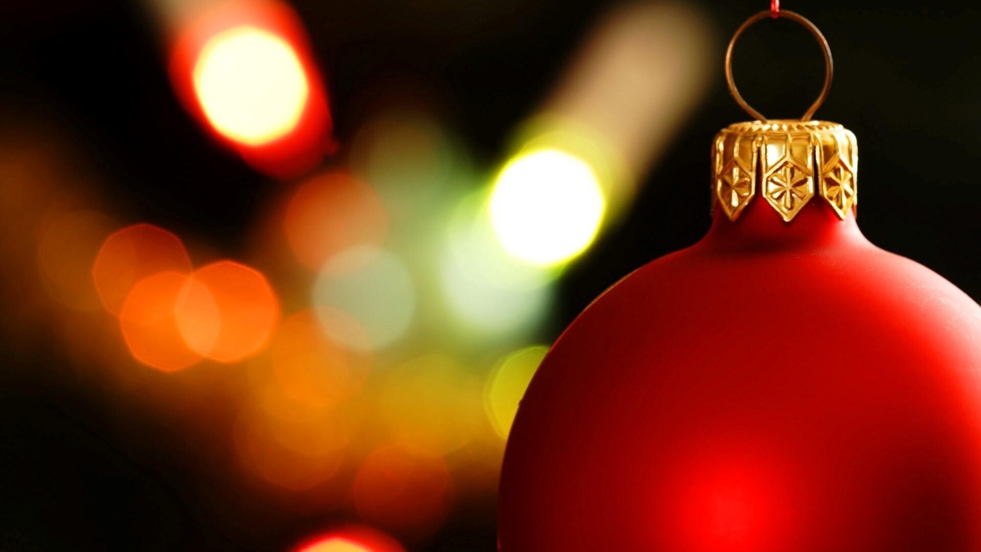 Red Christmas Balls Image