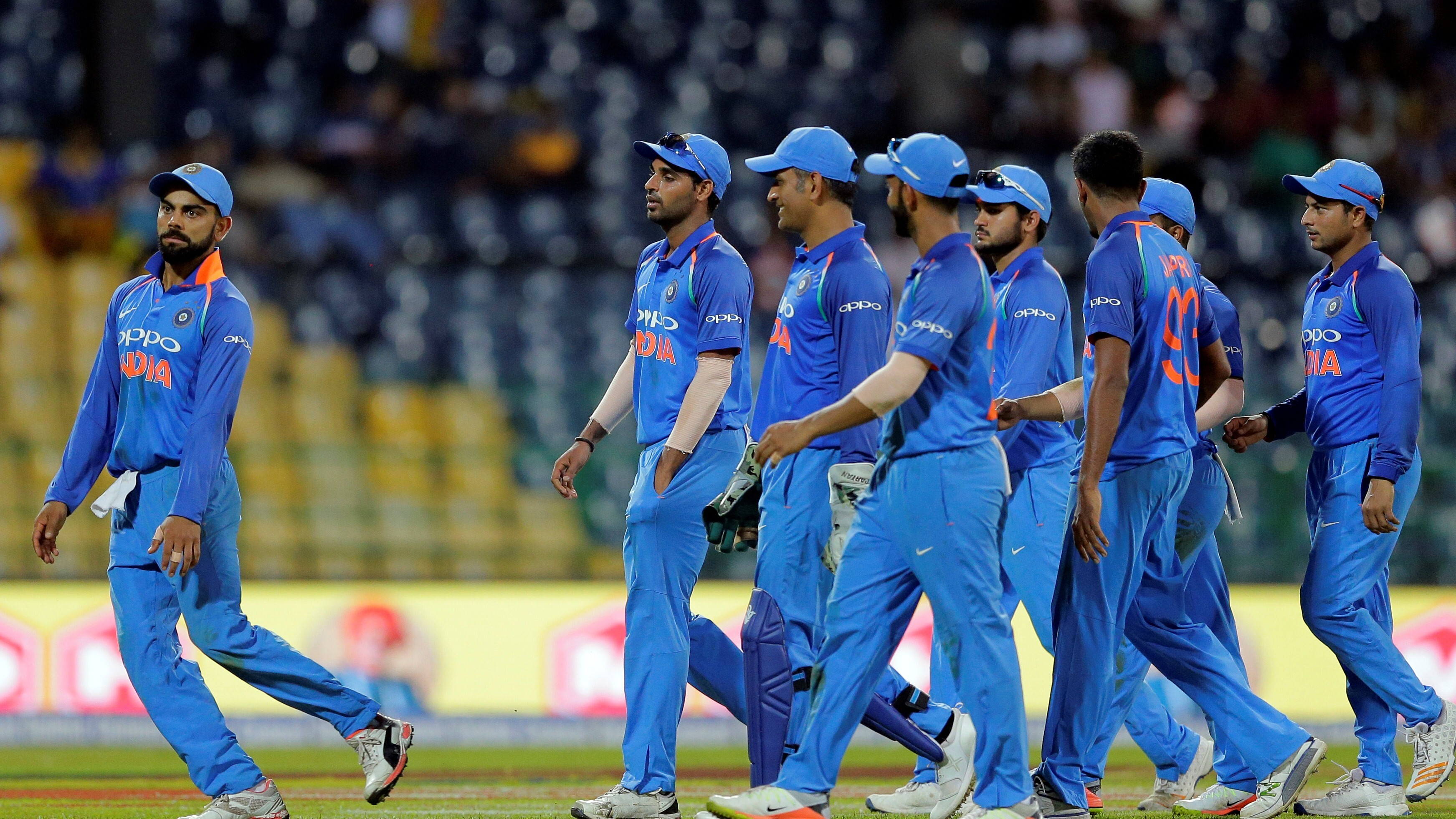 Indian Cricket Hd Wallpapers: Indian Cricket Team During Field Photo