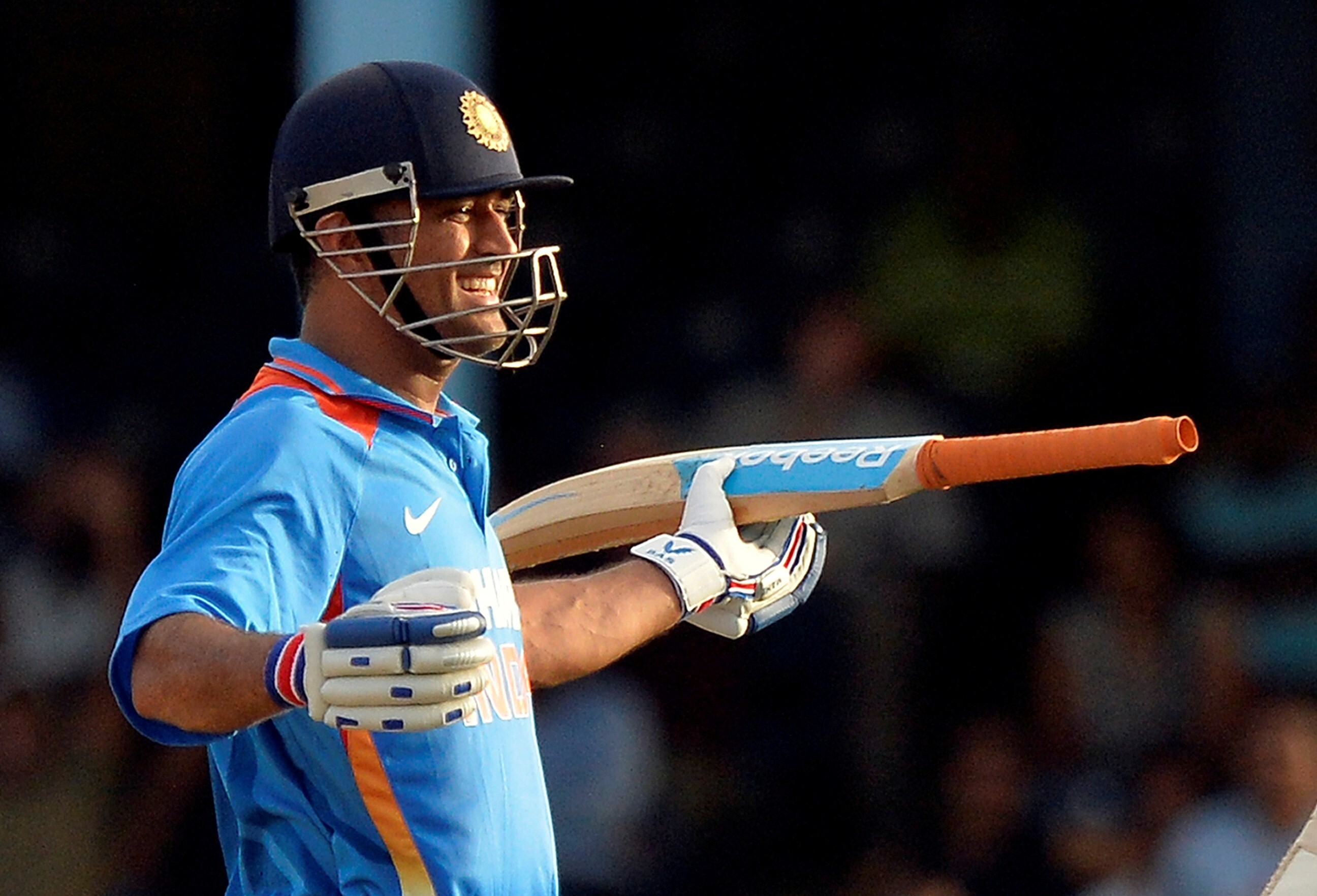 Ms Dhoni Indian Captain Smilie In Ground Worldcup 2015 Cricket
