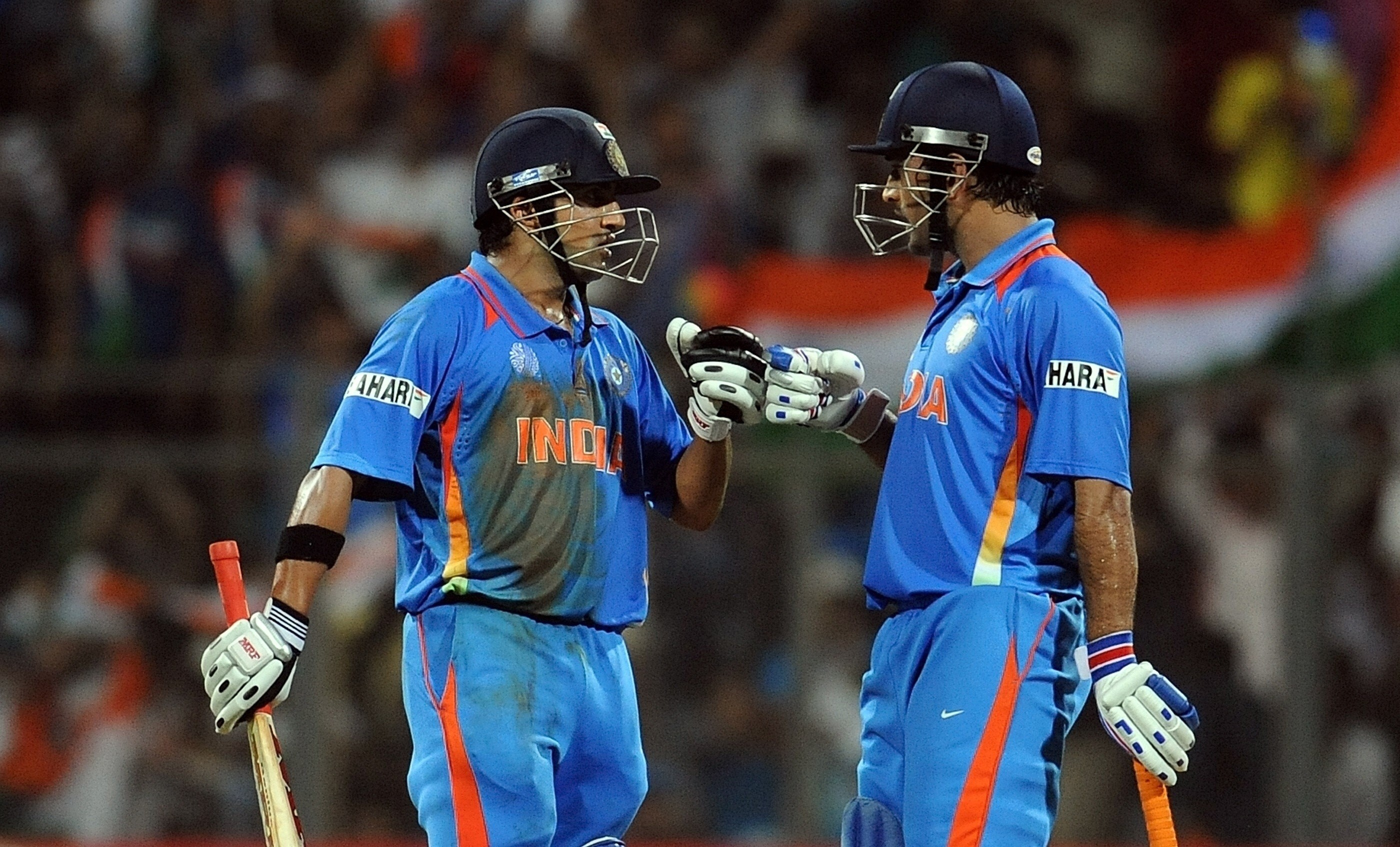Wallpaper download cricket - Mahendra Singh Dhoni And Gautam Gambhir In World Cup Final Match Cricket Wallpapers