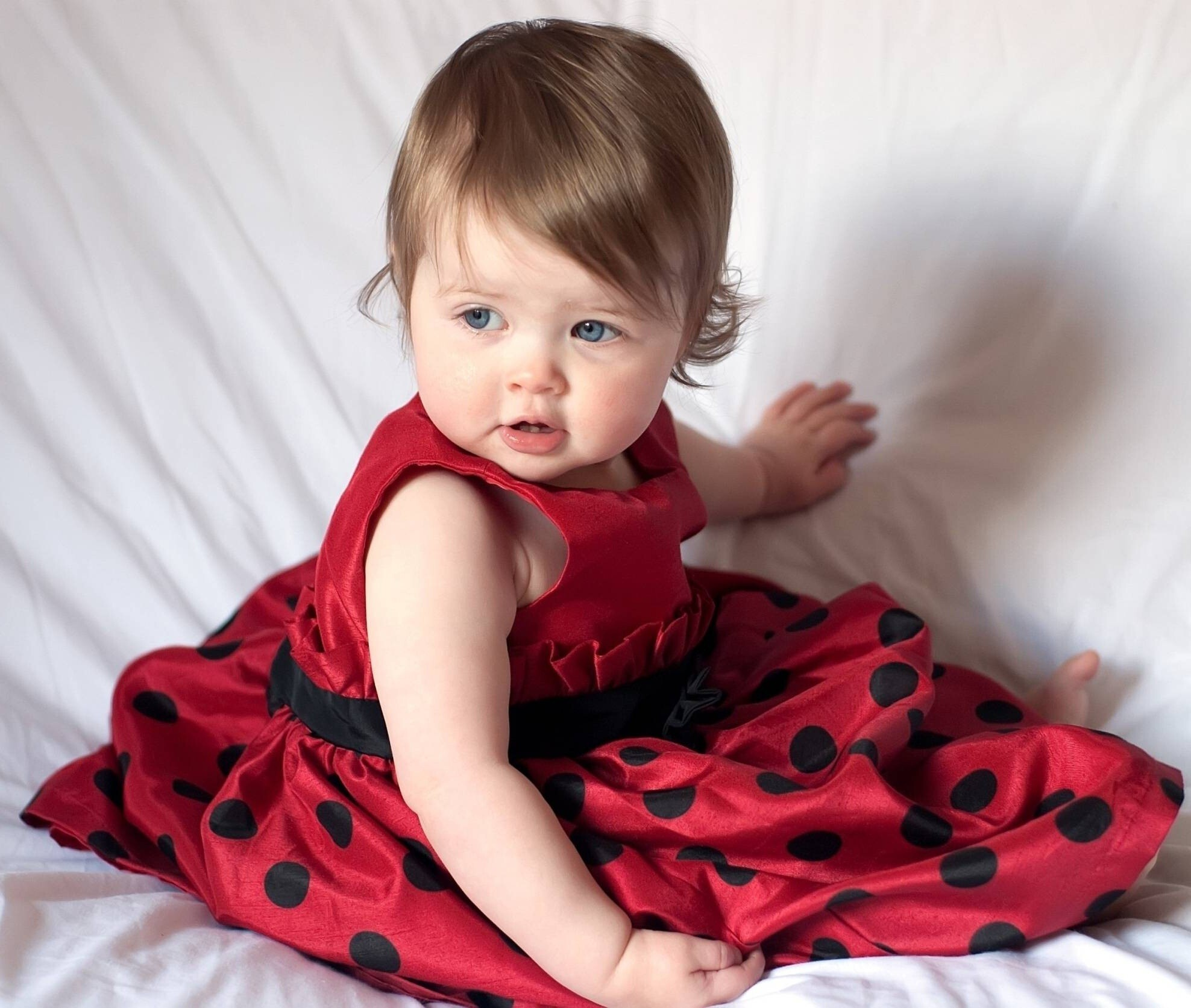 Cutest baby in the world hd wallpapers hd wallpapers cute baby wallpapers voltagebd Image collections