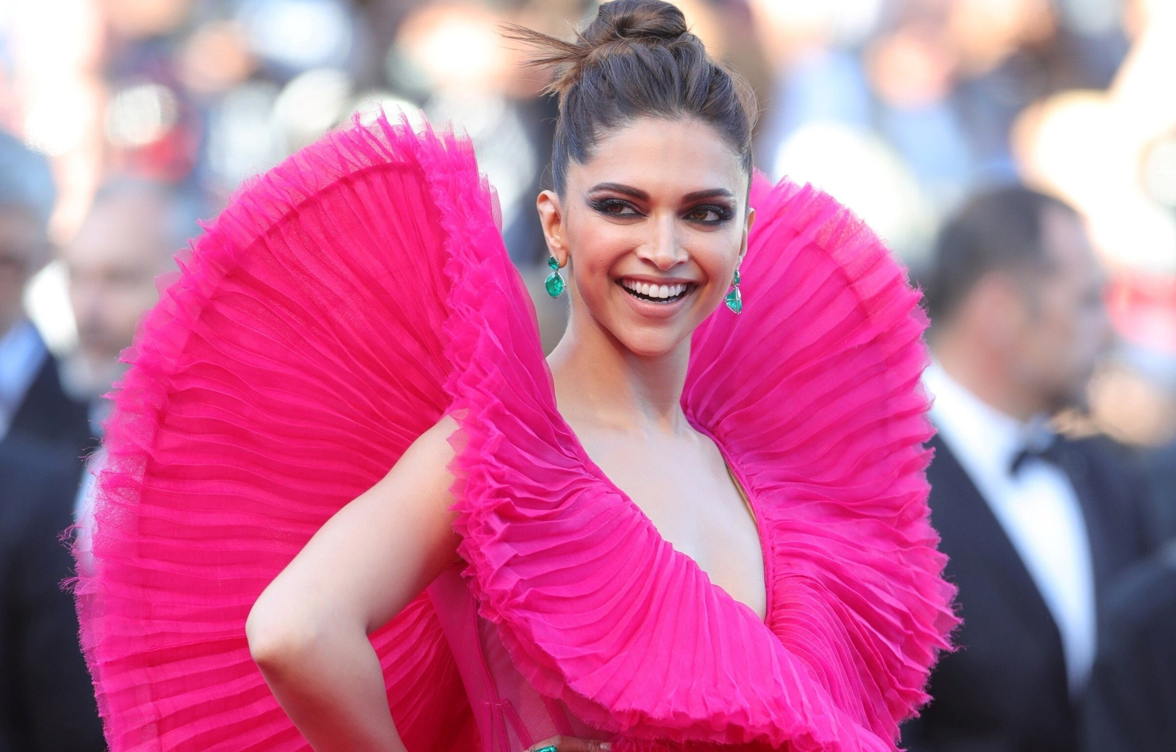 Deepika Padukone in Pink Dress Cannes Film Festival 2018 ...