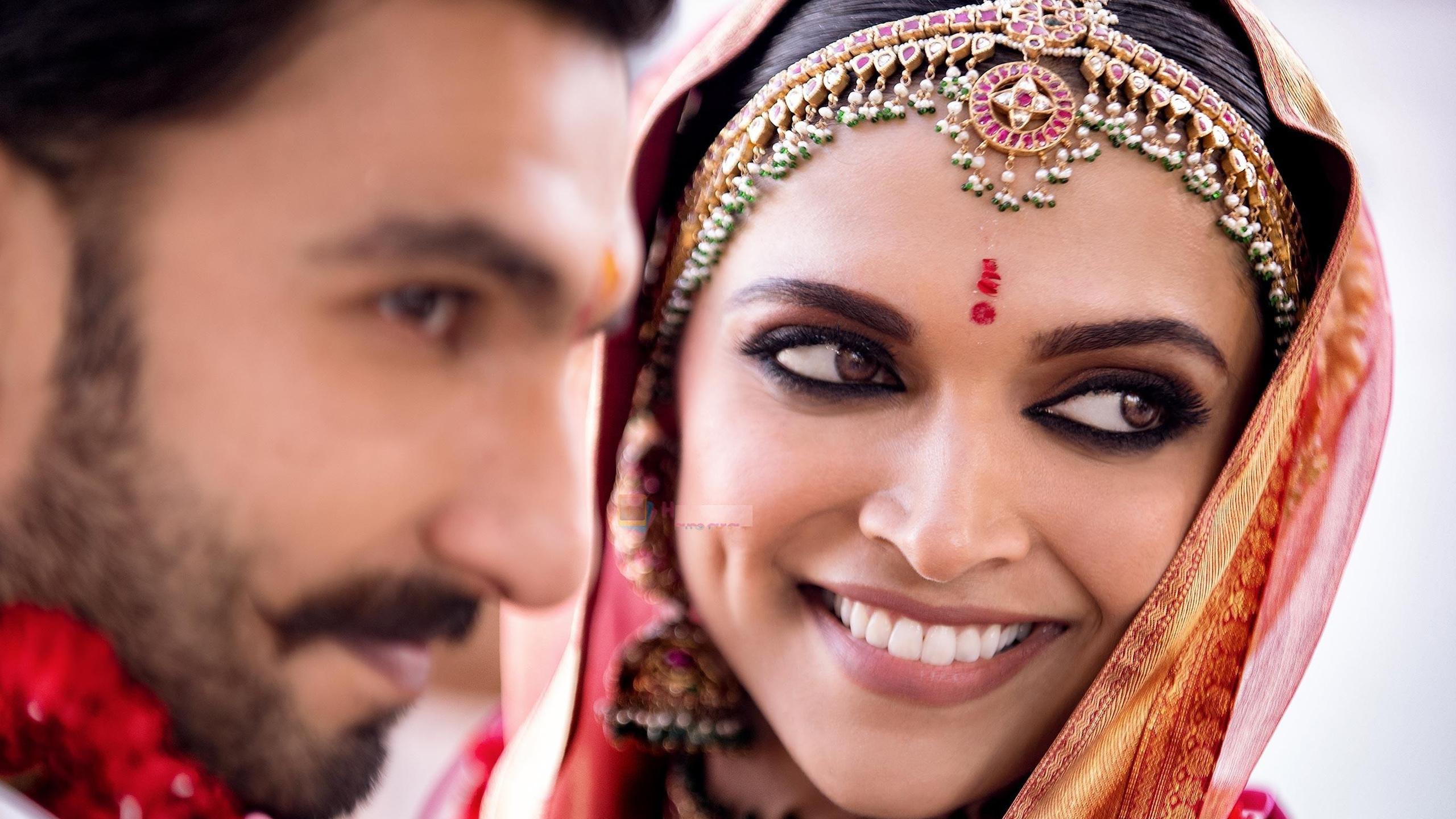 Deepika Padukone with Ranveer Singh Wedding Superb ...