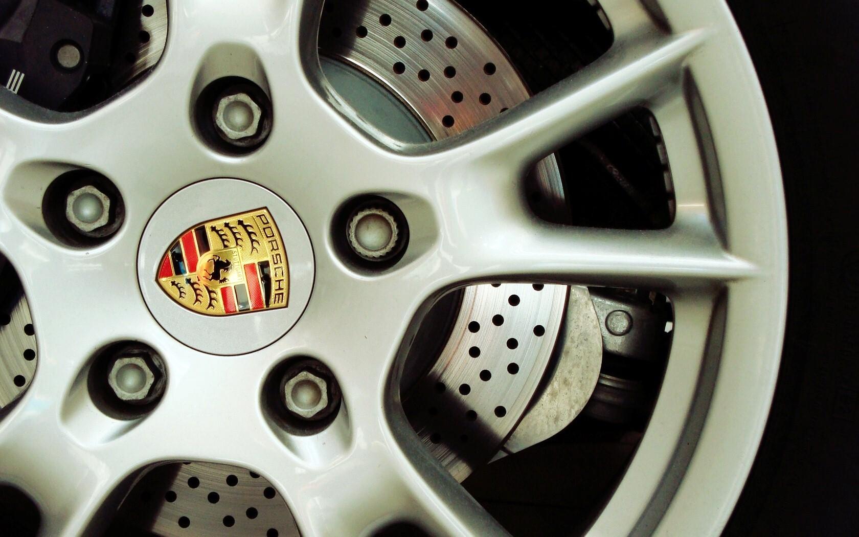 Ltalian Luxury Sports Car Ferrari Wheel Logo Hd Photos Hd Wallpapers