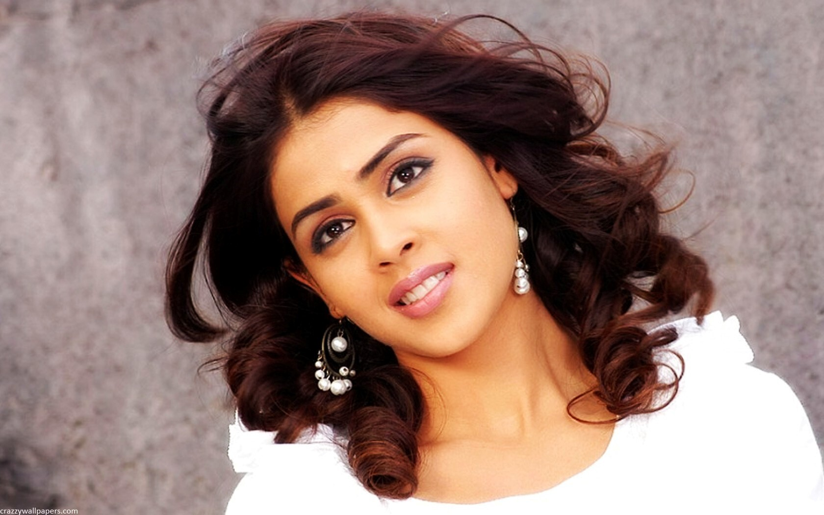 genelia dsouza in white | hd wallpapers