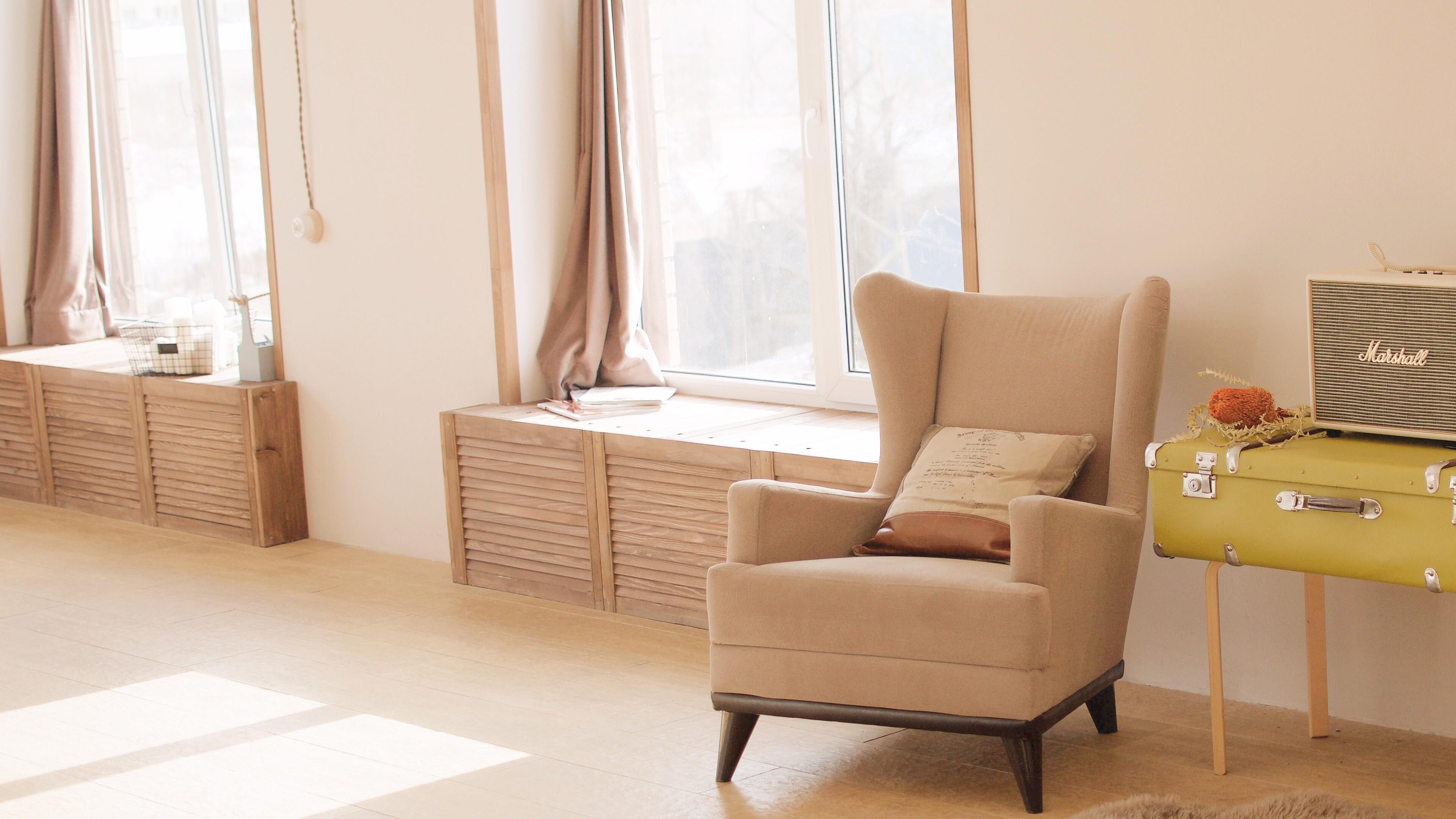 Beautiful Chair in Home 4K Wallpaper | HD Wallpapers