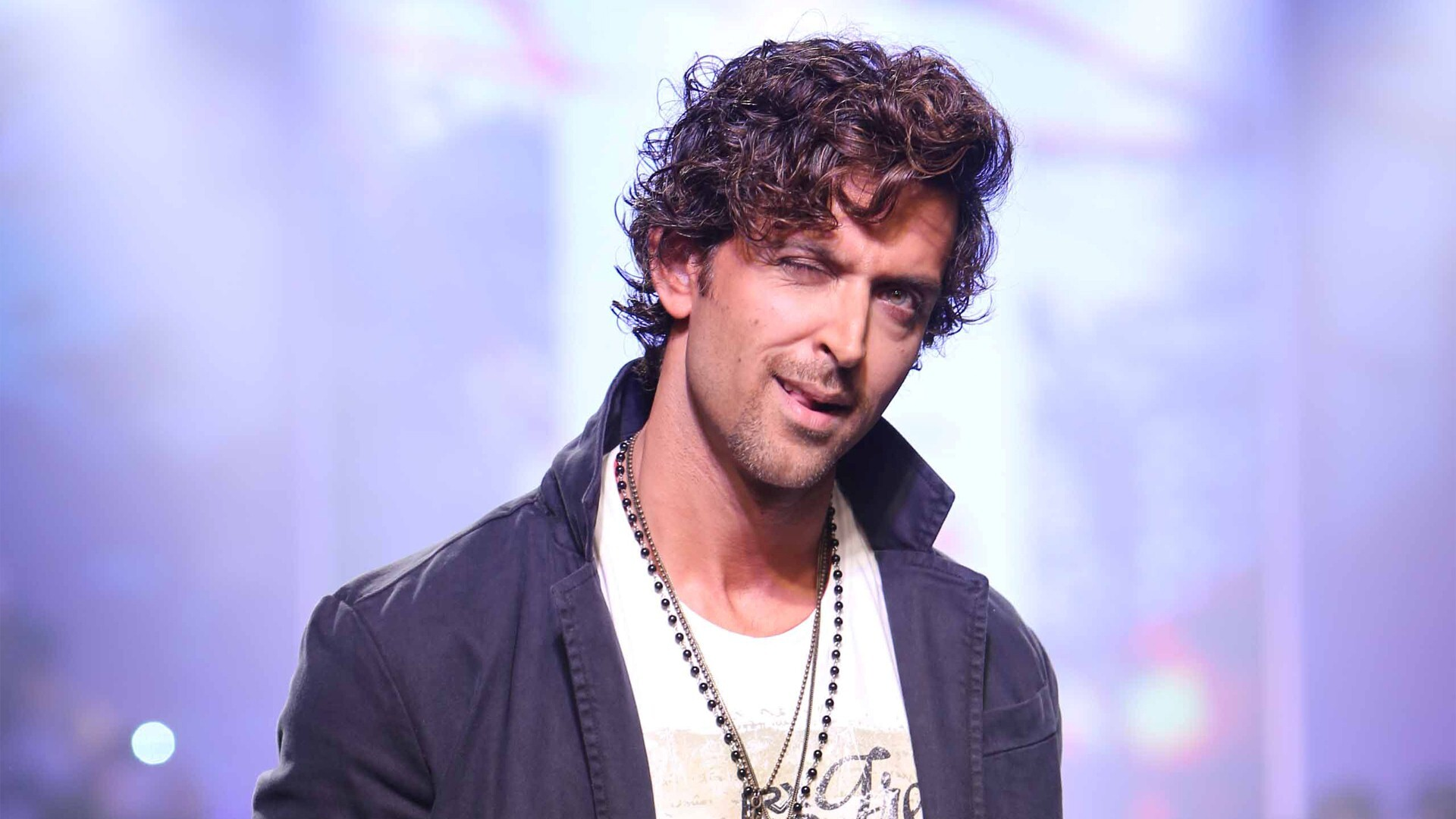 Dashing Look Of Hrithik Roshan Bollywood Actor Hd Wallpapers Hd