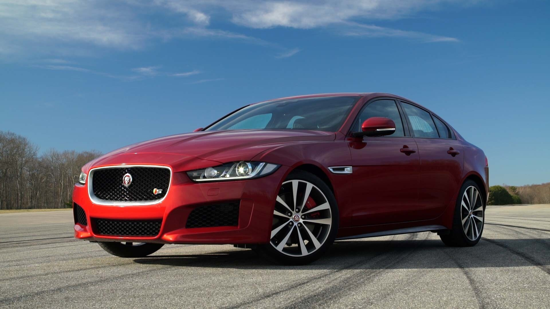 Latest 2018 Jaguar Xe Red Gorgeous Car Hd Wallpapers
