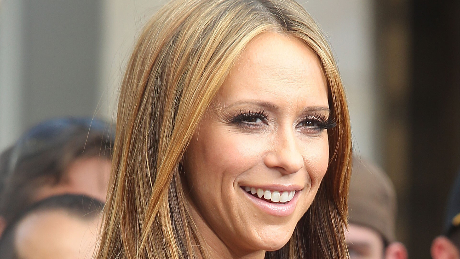 famous american celebrity jennifer love hewitt in cute smile hd