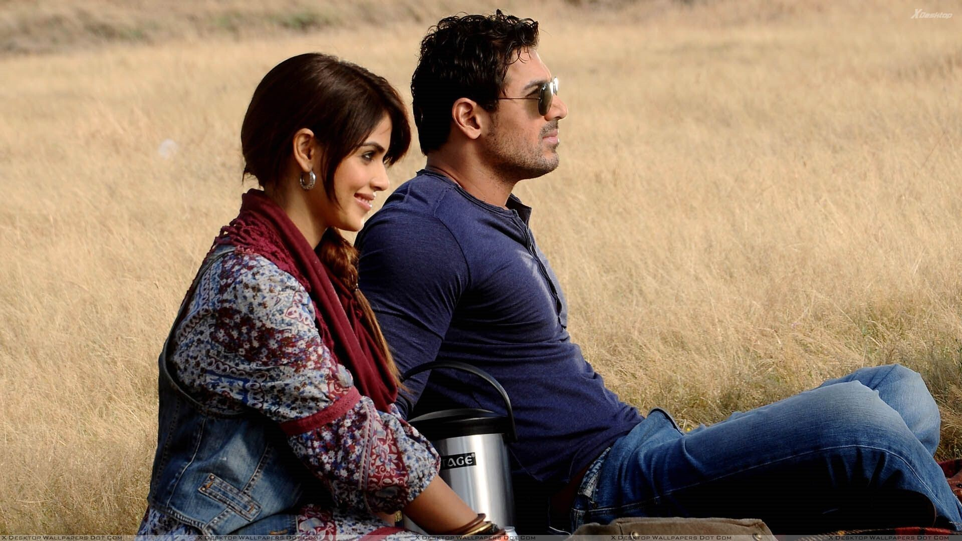 John Abraham And Genelia Dsouza Sitting In Force Movie Hd Wallpapers