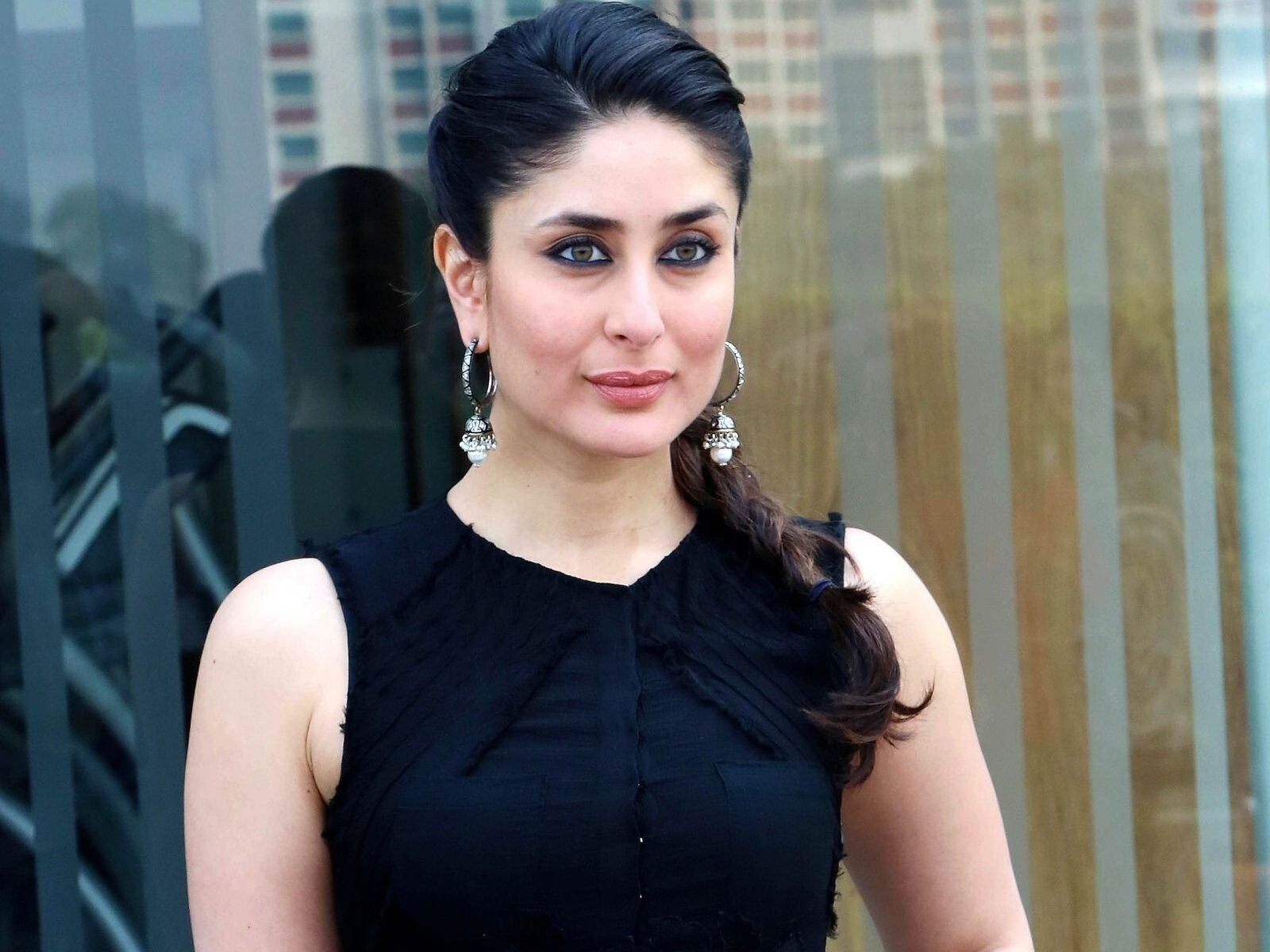 beautiful actress kareena kapoor | hd wallpapers