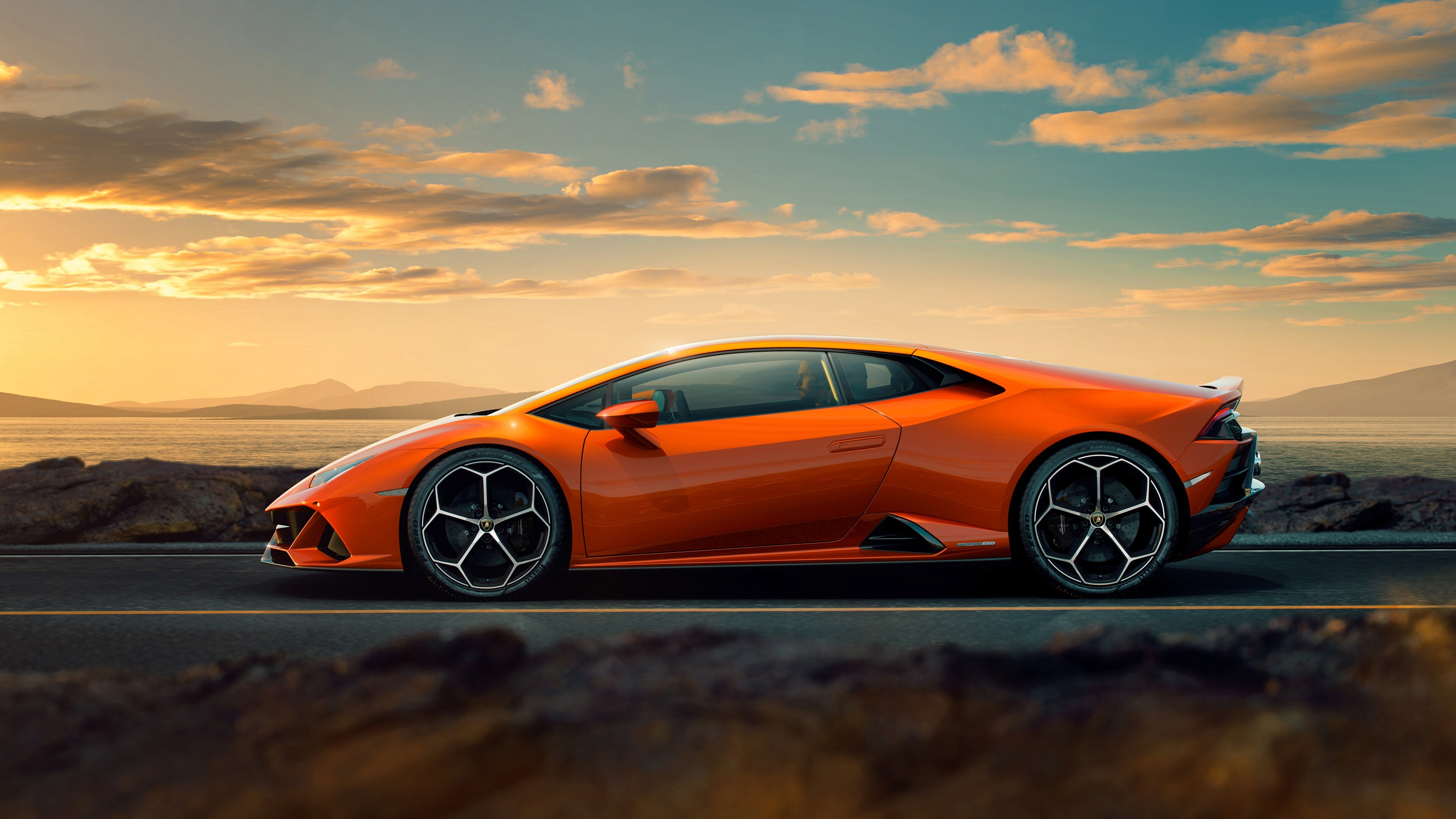 4K Photo Of 2019 Lamborghini Huracan EVO Car