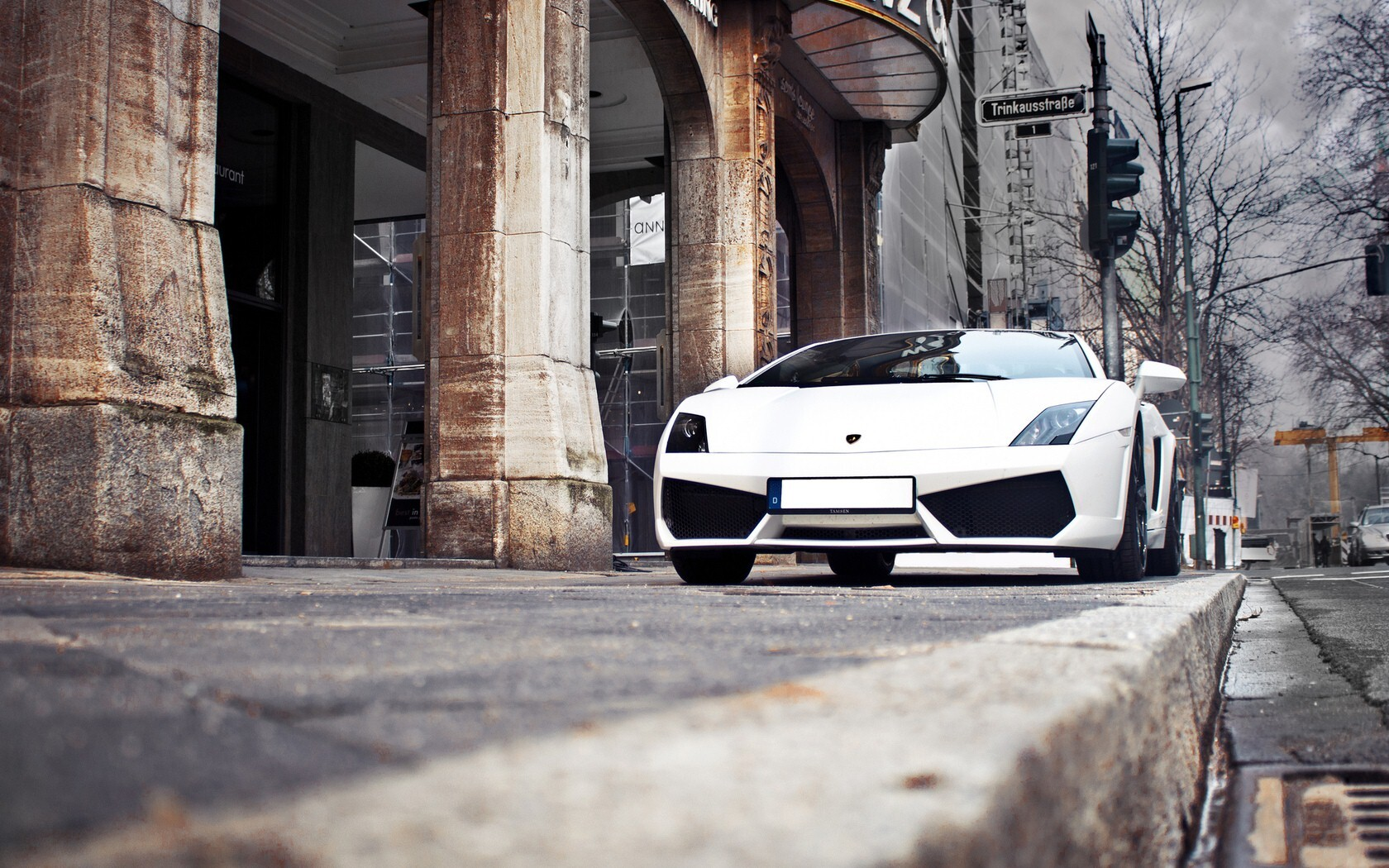 Most Likable White Lamborghini Luxury Car Desktop Laptop Wallpaper