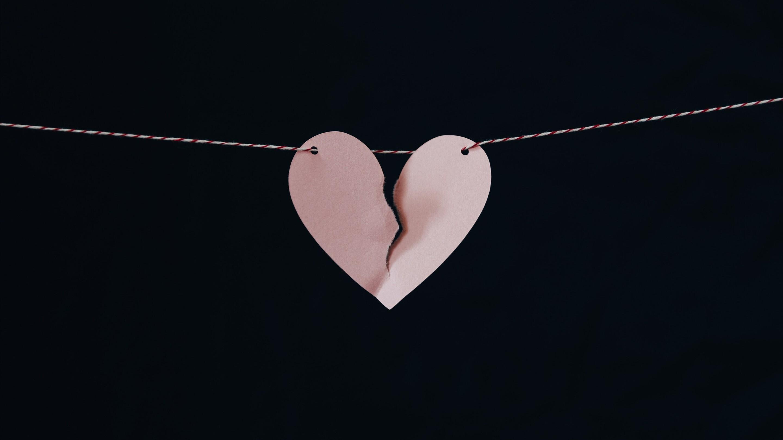 Broken Heart in Black Background | HD Wallpapers